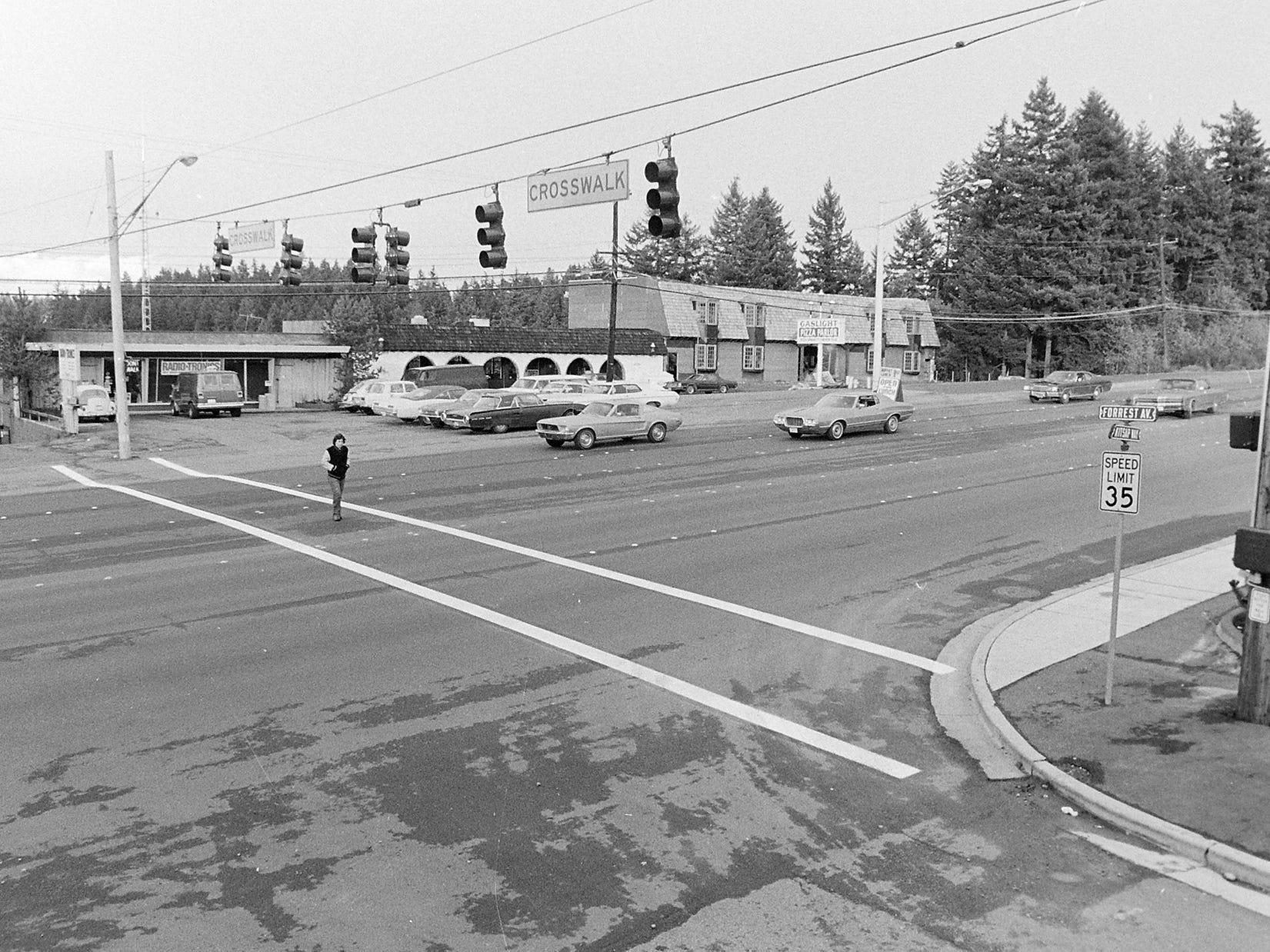 11/22/73New Kitsap Way Crosswalk