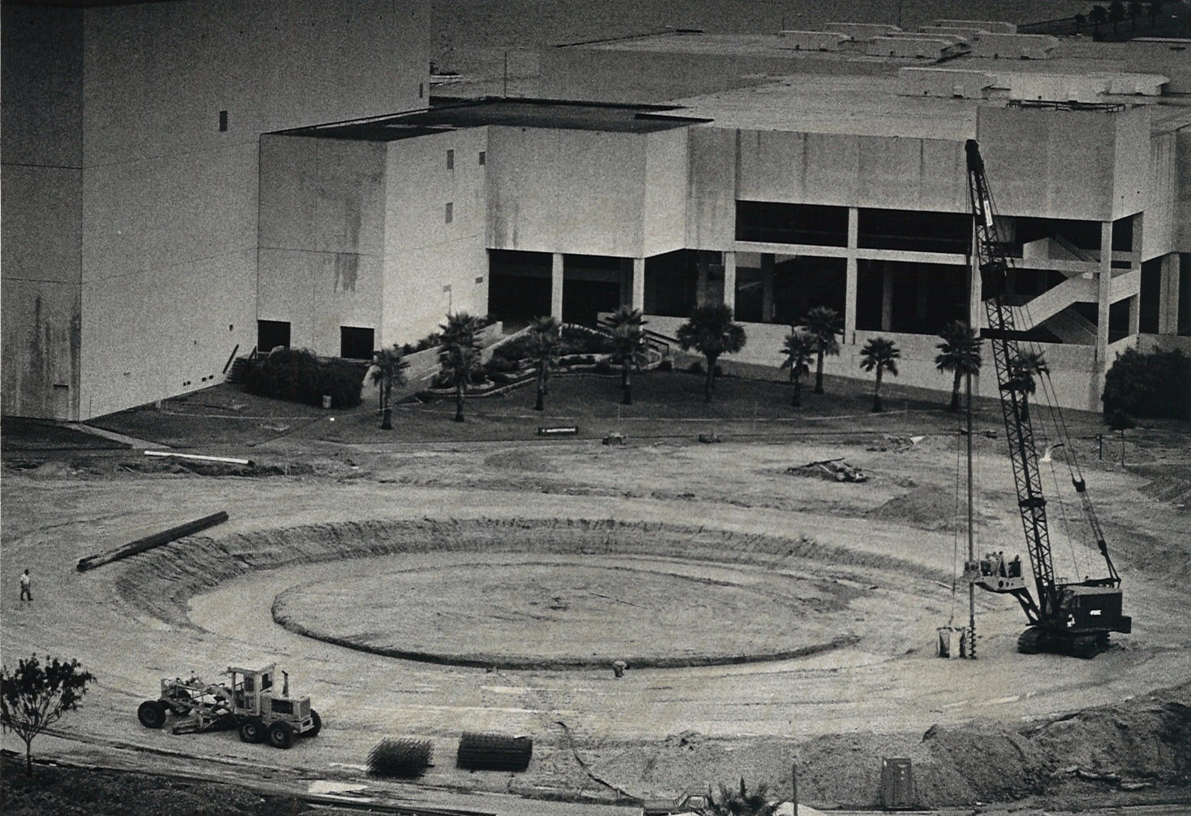 The Watergarden takes shape in fron the the Bayfront Plaza Convention Center in Corpus Christi on Aug. 31, 1987.