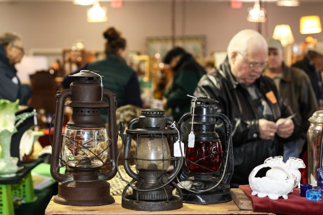 WheatonArts is hosting a Mid-Winter Antique Show.