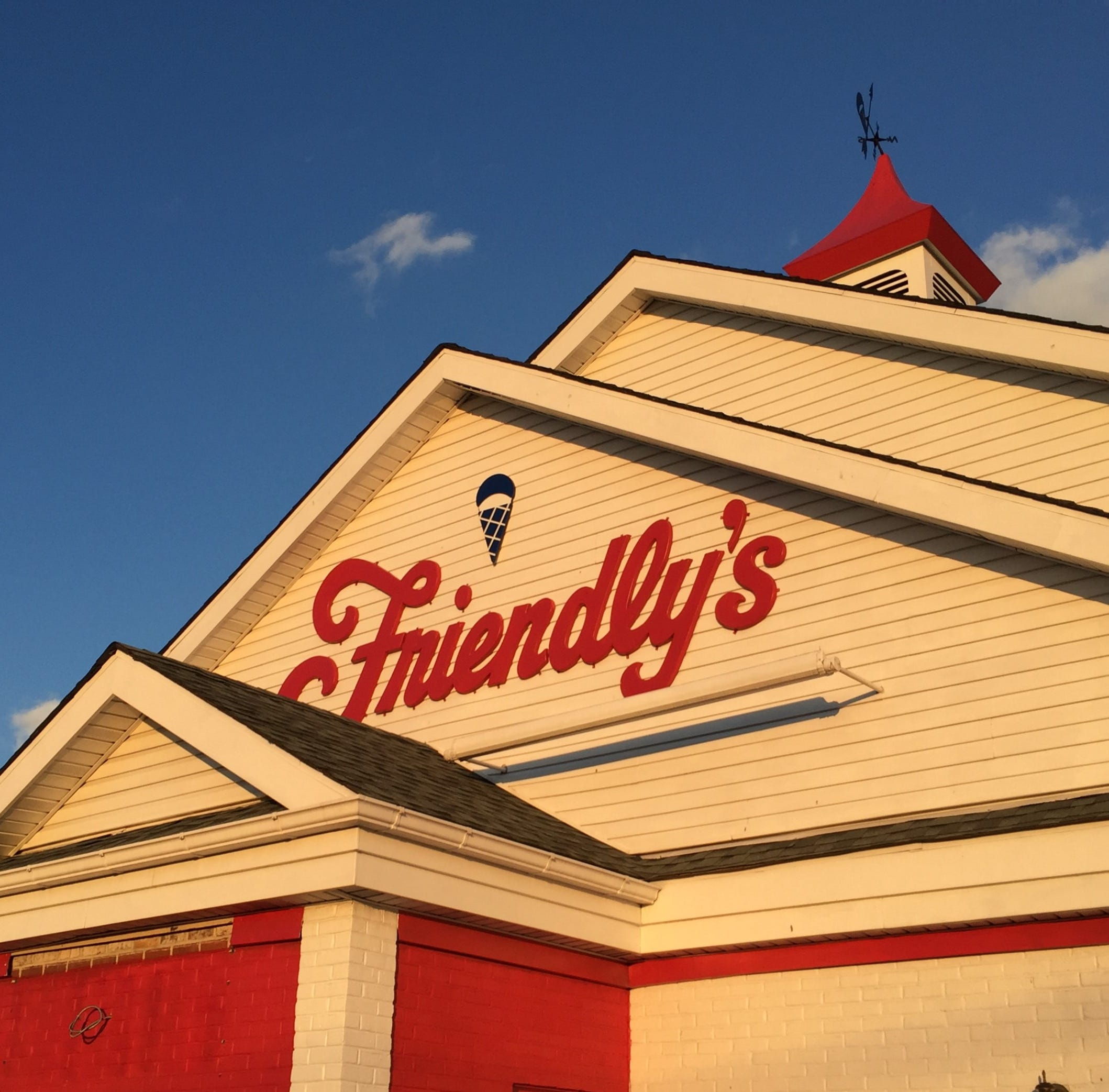 Friendly's closing at Westmont shopping center