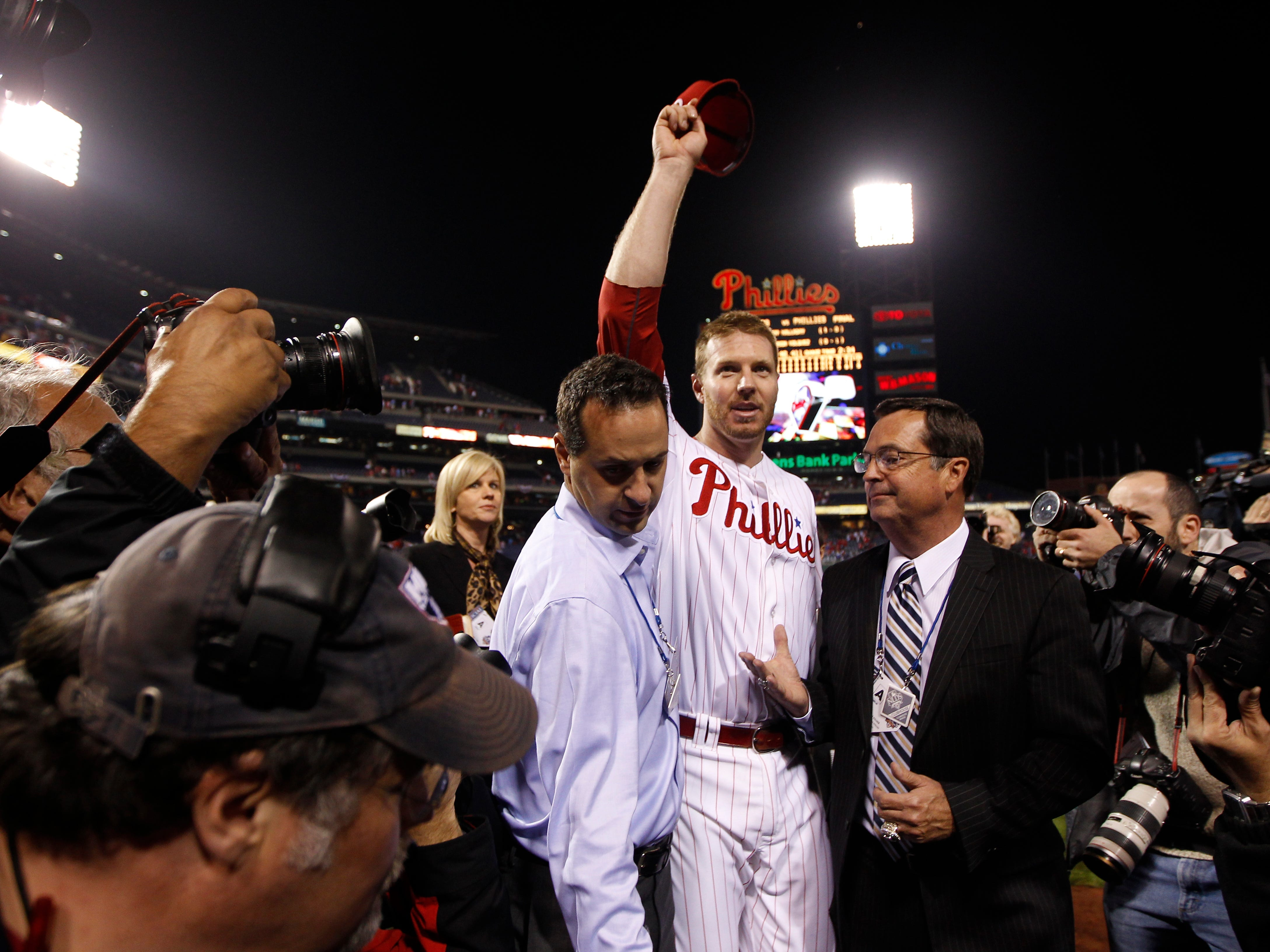 Reds' Joey Votto stars in MLB Network oral history of Roy Halladay no-hitter