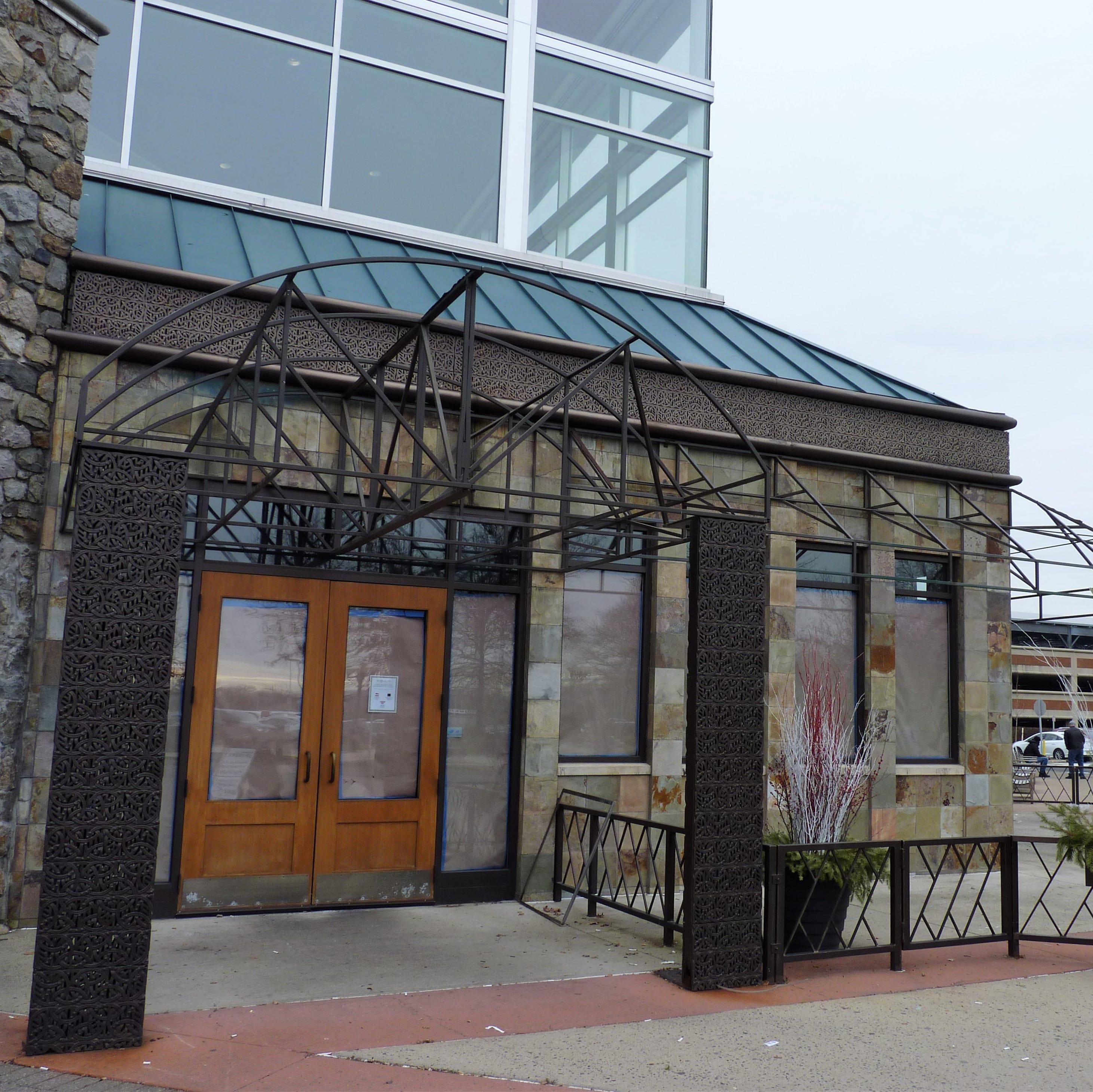 McCormick & Schmick's closes at Bridgewater Commons