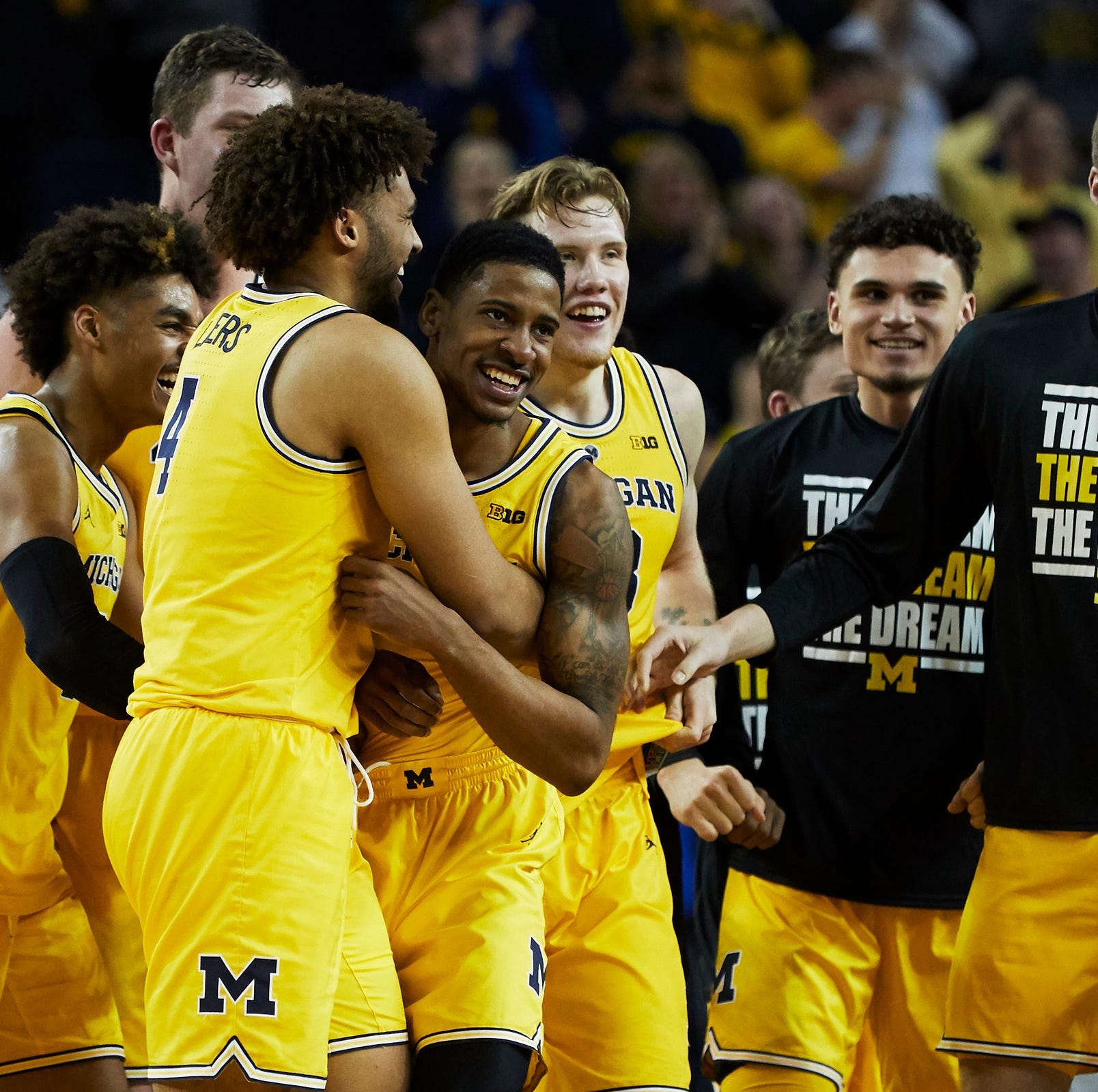 Anatomy of a buzzer-beater: How Michigan basketball survived Minnesota