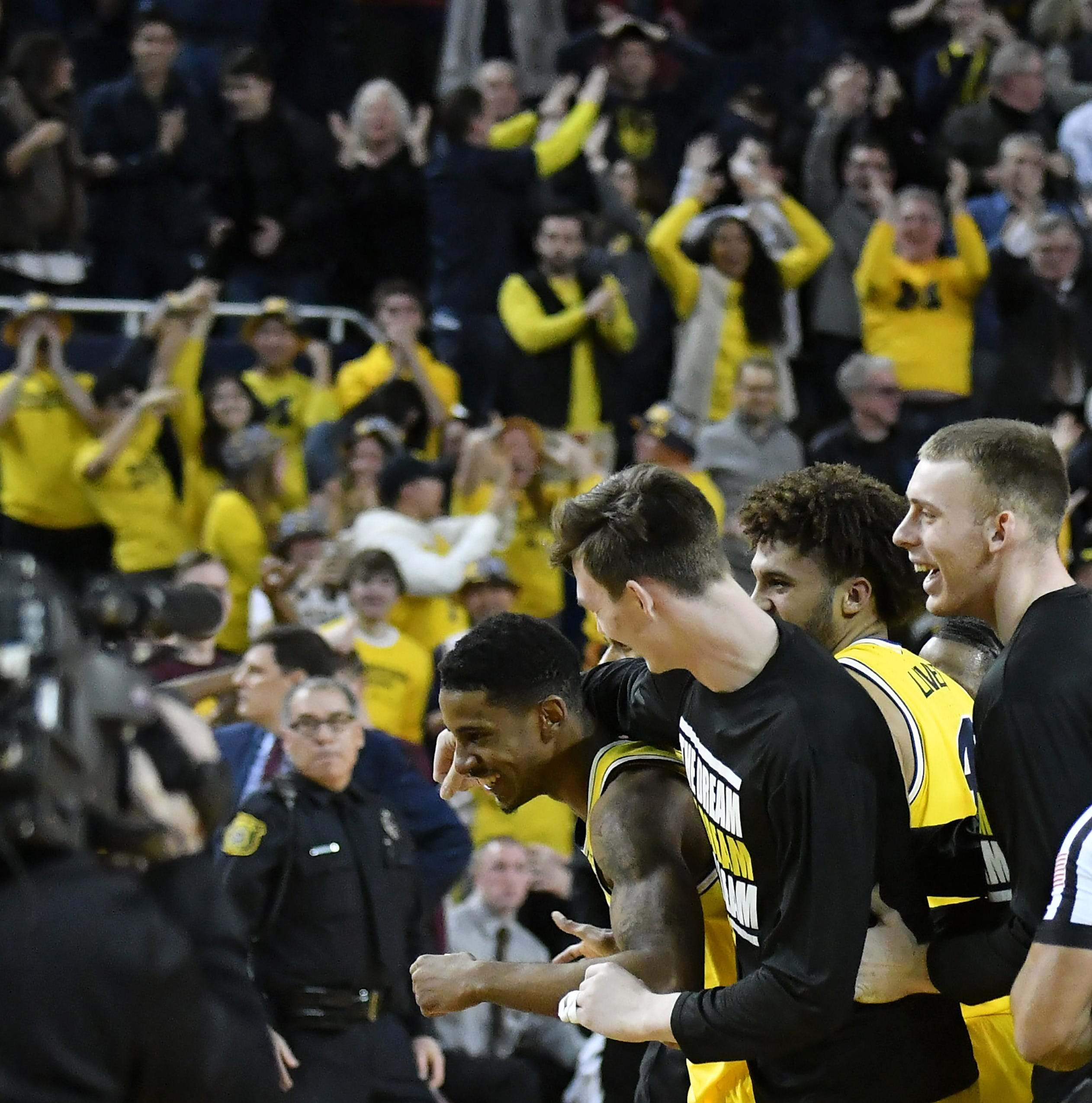 Matthews' buzzer-beater pulls out win for Michigan over Minnesota