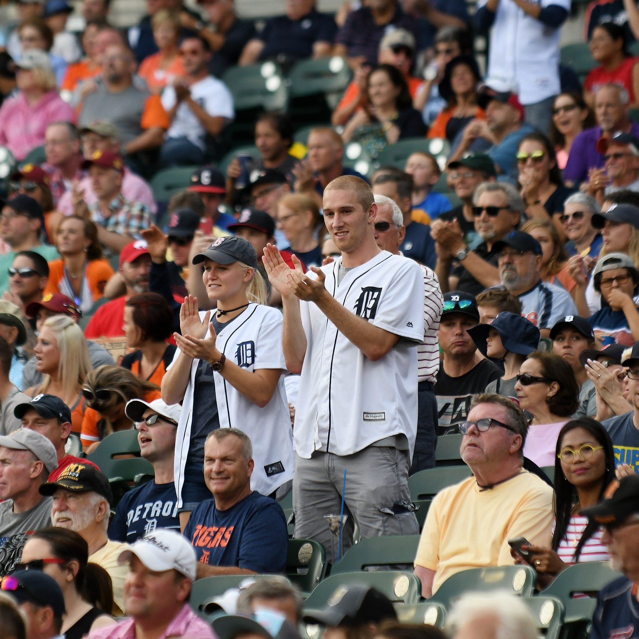 Tigers move to mobile-only entry for 2019 games at Comerica Park