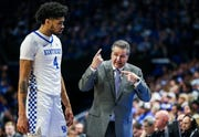 John Calipari makes a point to Nick Richards during UK's win over Mississippi State.