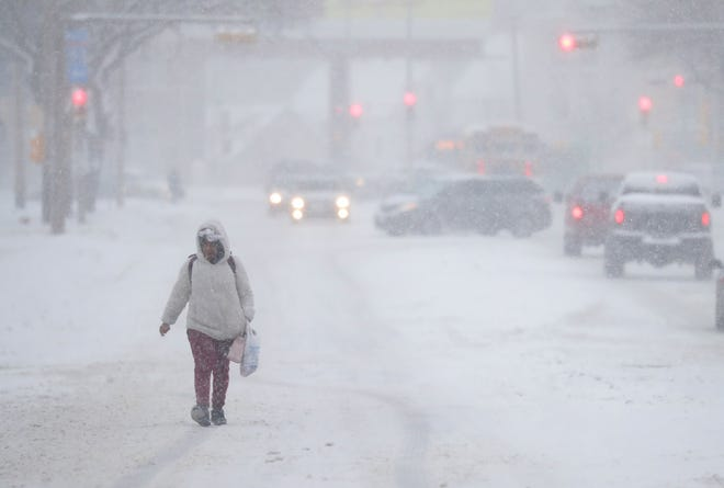 Heavy snow is expected throughout southern Wisconsin on Monday.