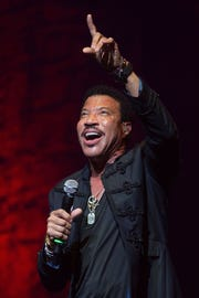 AUSTIN, TX - OCTOBER 24:  Singer-songwriter Lionel Richie performs in concert at ACL Live on October 24, 2015 in Austin, Texas.  (Photo by Rick Kern/WireImage) ORG XMIT: 587527311 ORIG FILE ID: 494168704