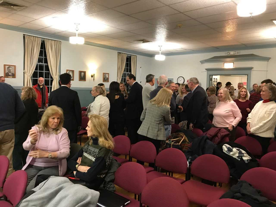 Residents converge on Saddle River's council meeting to object to bylaw changes that reduce the mayor's powers.