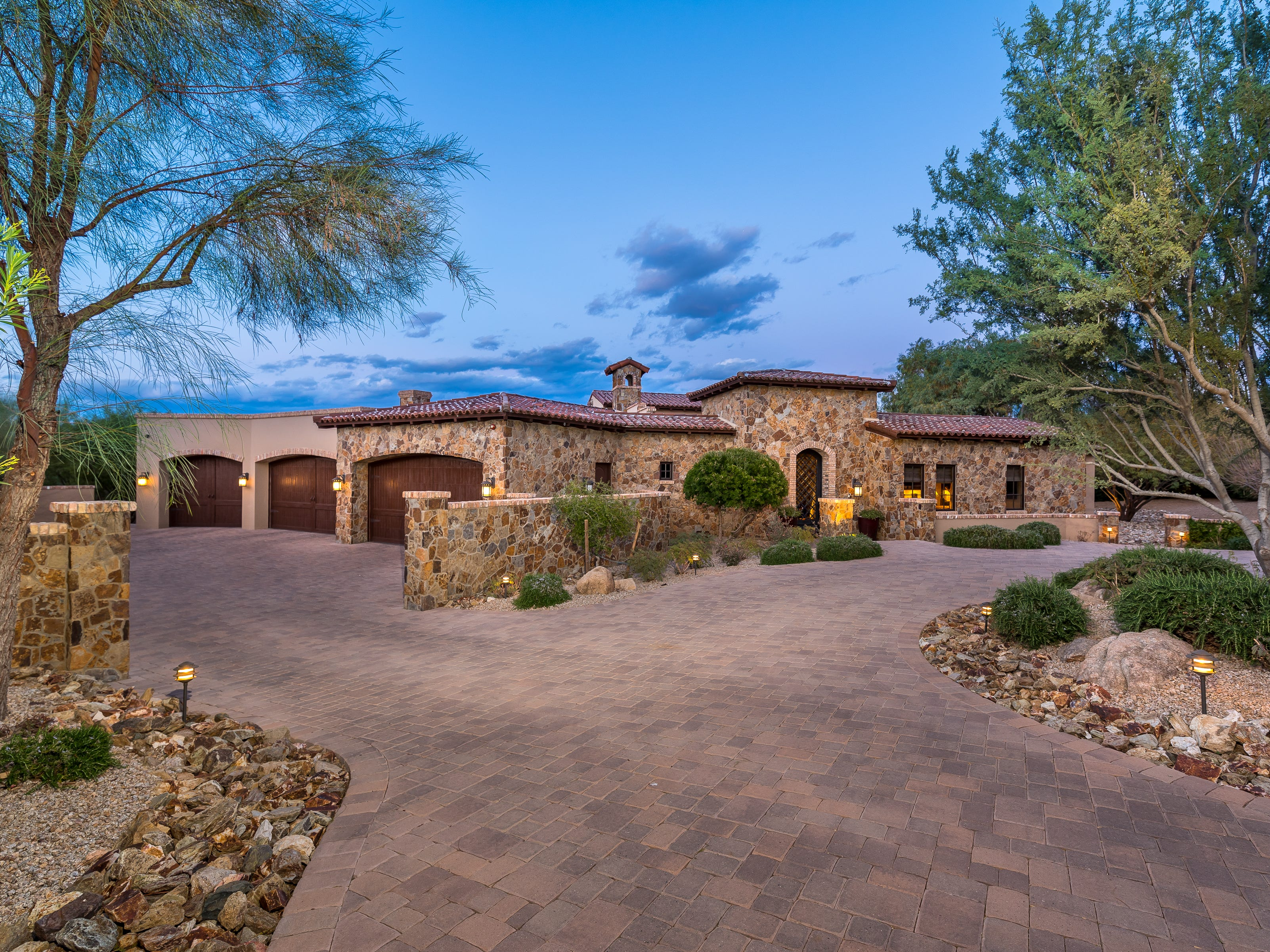 Stanley C. Graves, an orthopedic surgeon practicing in Phoenix, and his wife, Patricia, purchased this Paradise Valley mansion for $3.4 million.