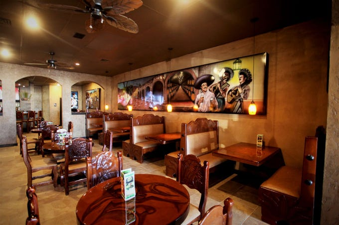 Agave Neighborhood Grill & Bar recently opened.