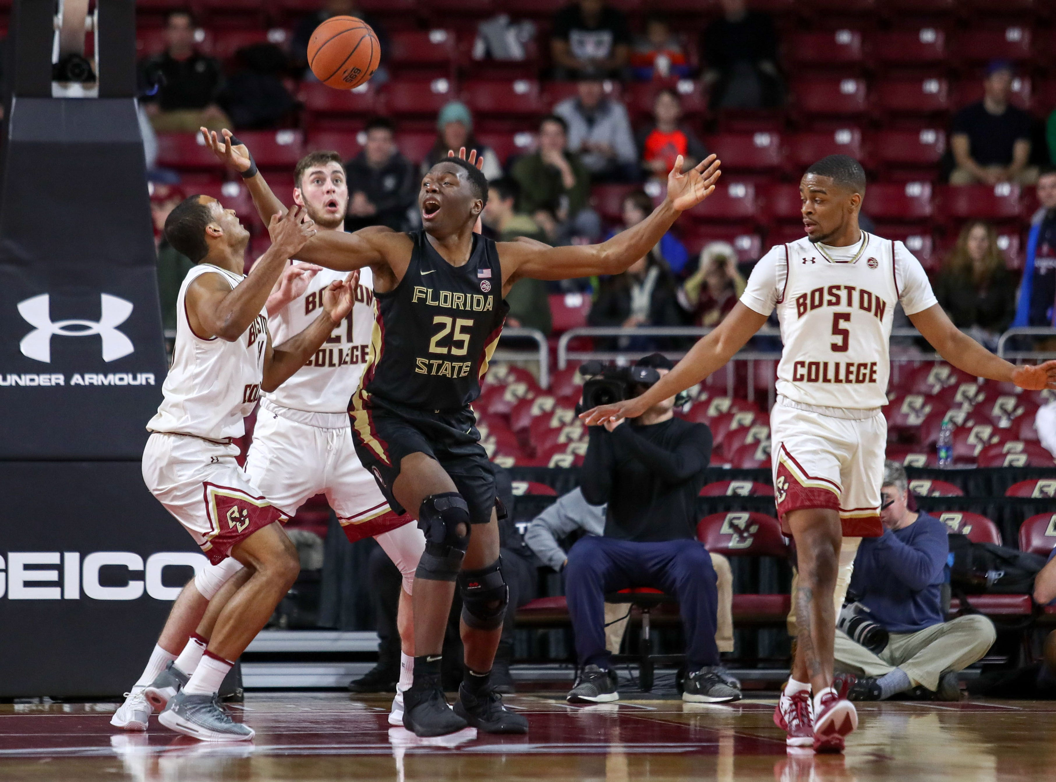Jan 20, 2019; Chestnut Hill, MA, USA; Florida State Seminoles forward Mfiondu Kabengele (25) looses the ball against the Boston College Eagles during the first half at Conte Forum. Mandatory Credit: Paul Rutherford-USA TODAY Sports