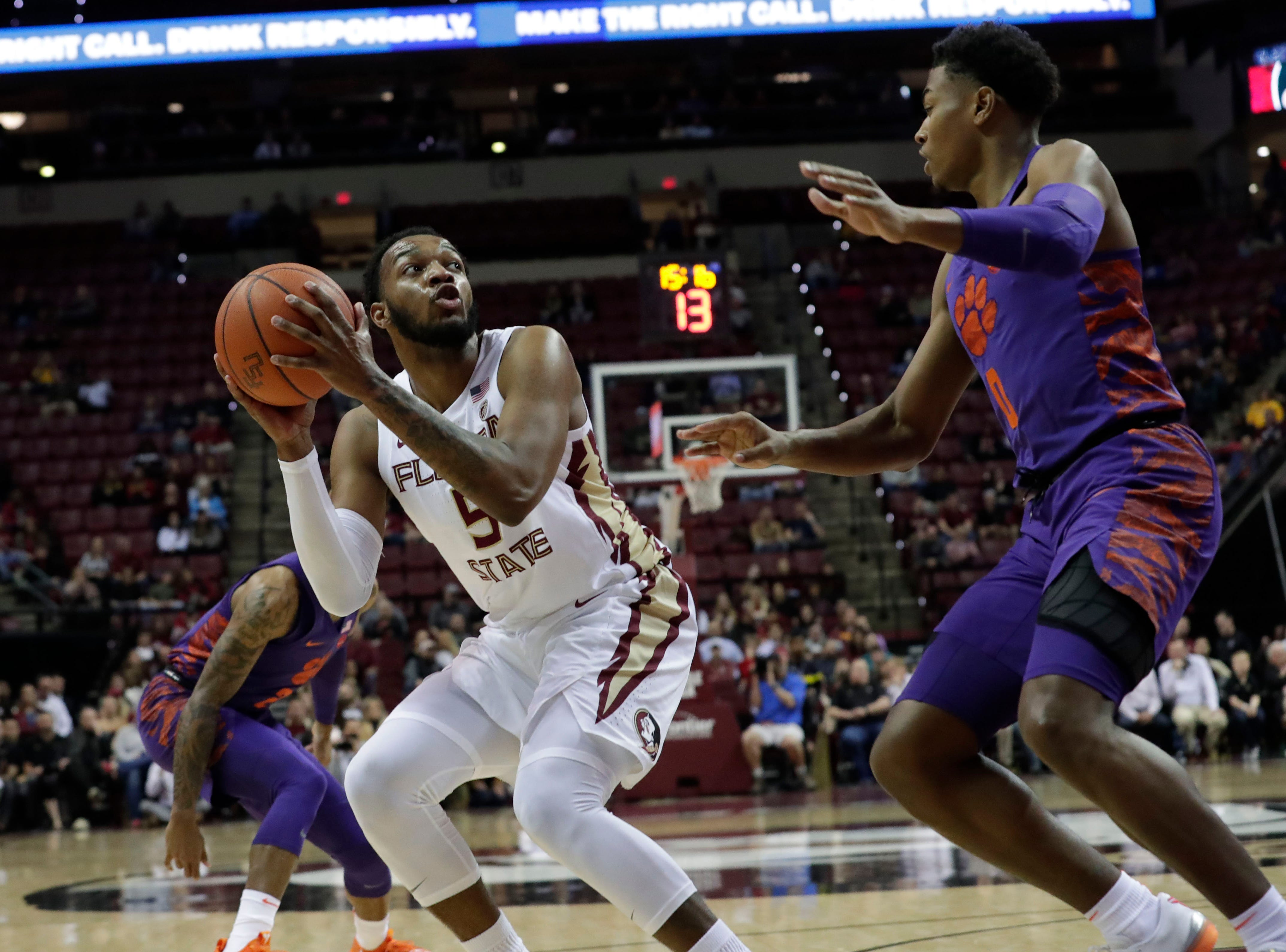 Florida State Seminoles guard PJ Savoy (5) looks to the hoop for an opportunity to shoot. The Florida State Seminoles face off against the Clemson Tigers at the Tucker Civic Center, Tuesday, Jan. 22, 2019.