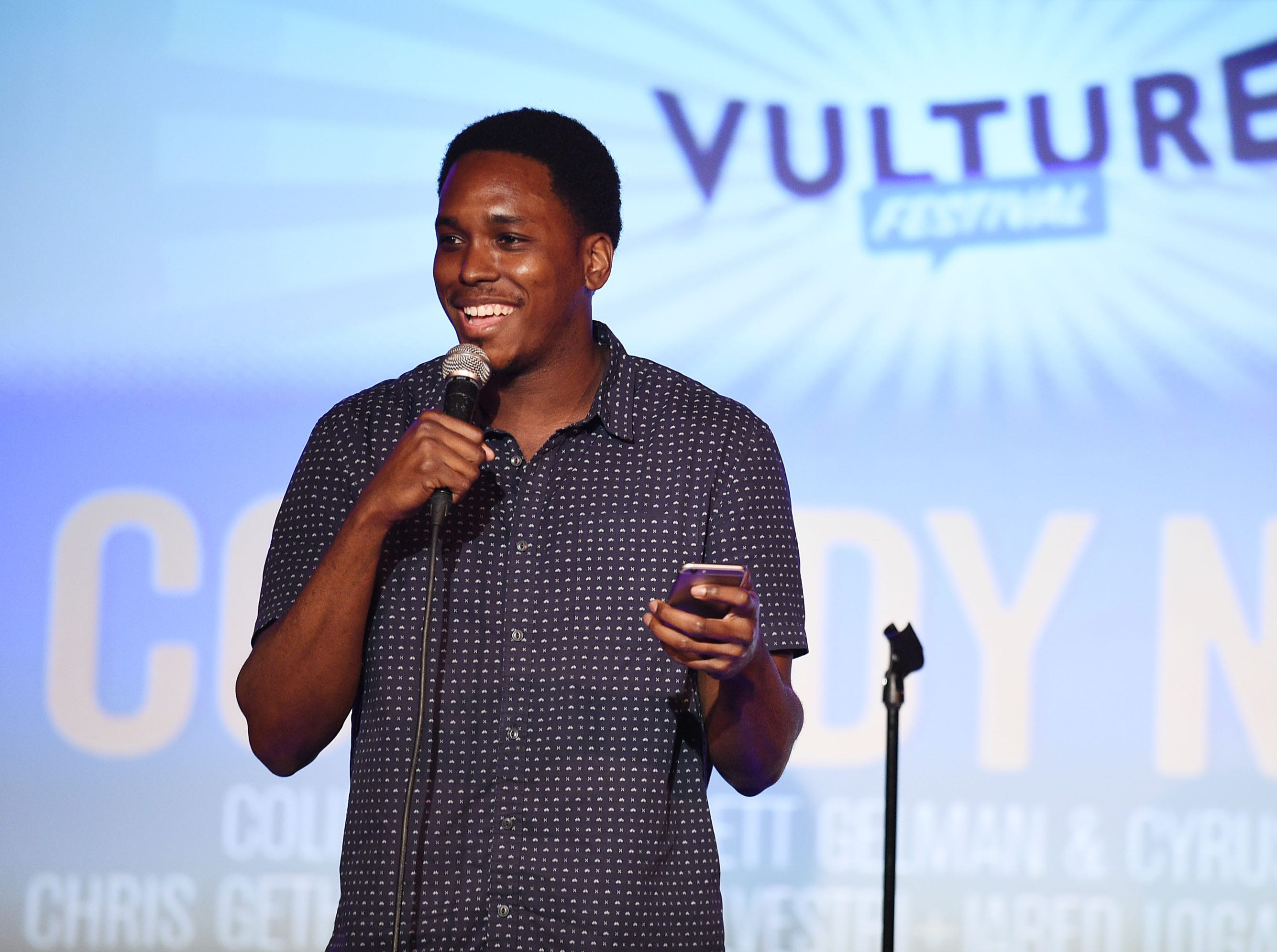 "Comedian and writer Kevin Barnett, who co-created the Fox series ""Rel,""  died at the age of 32."