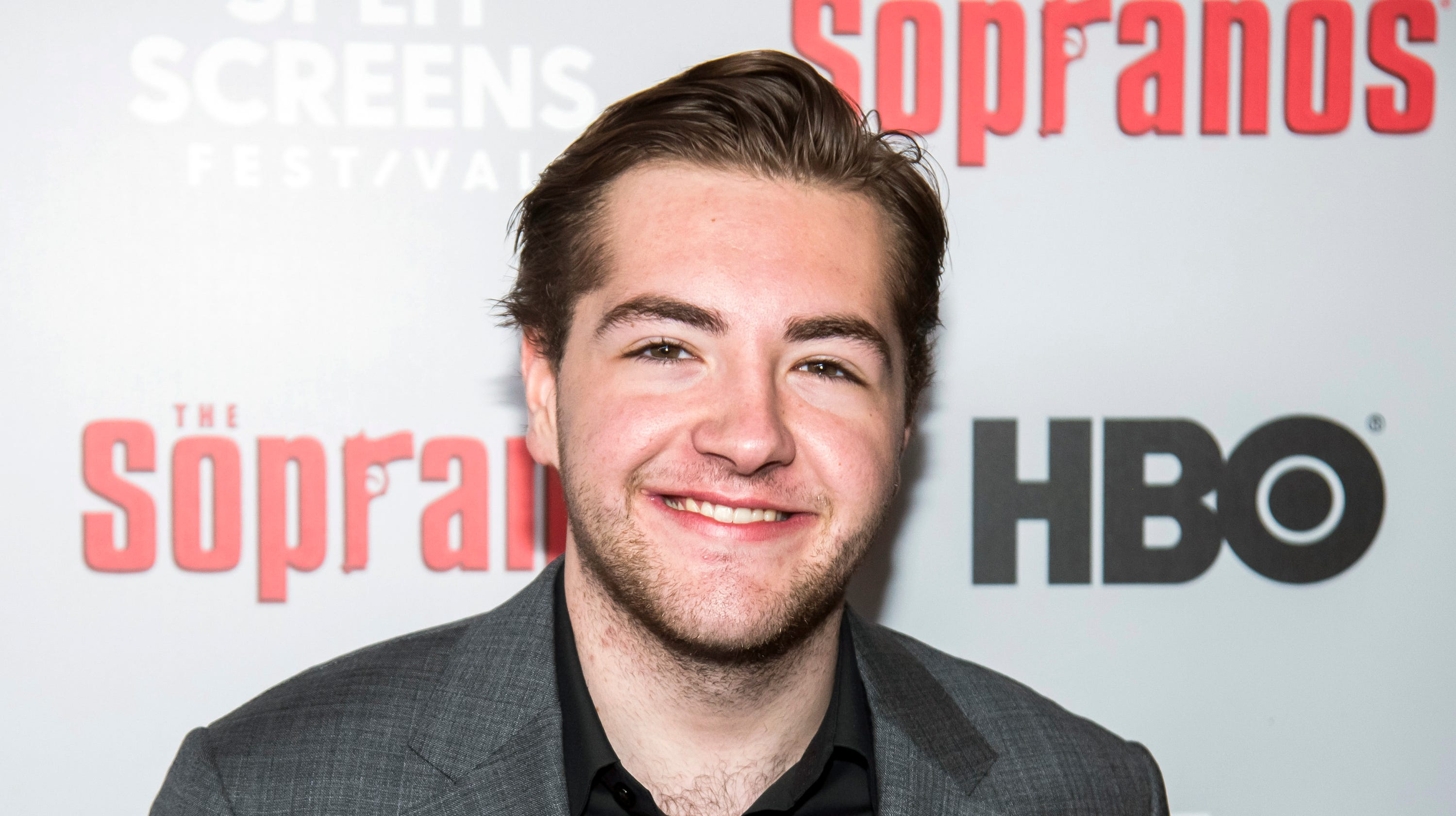 James Gandolfini's son cast as young Tony for 'Sopranos' prequel - USA TODAY thumbnail