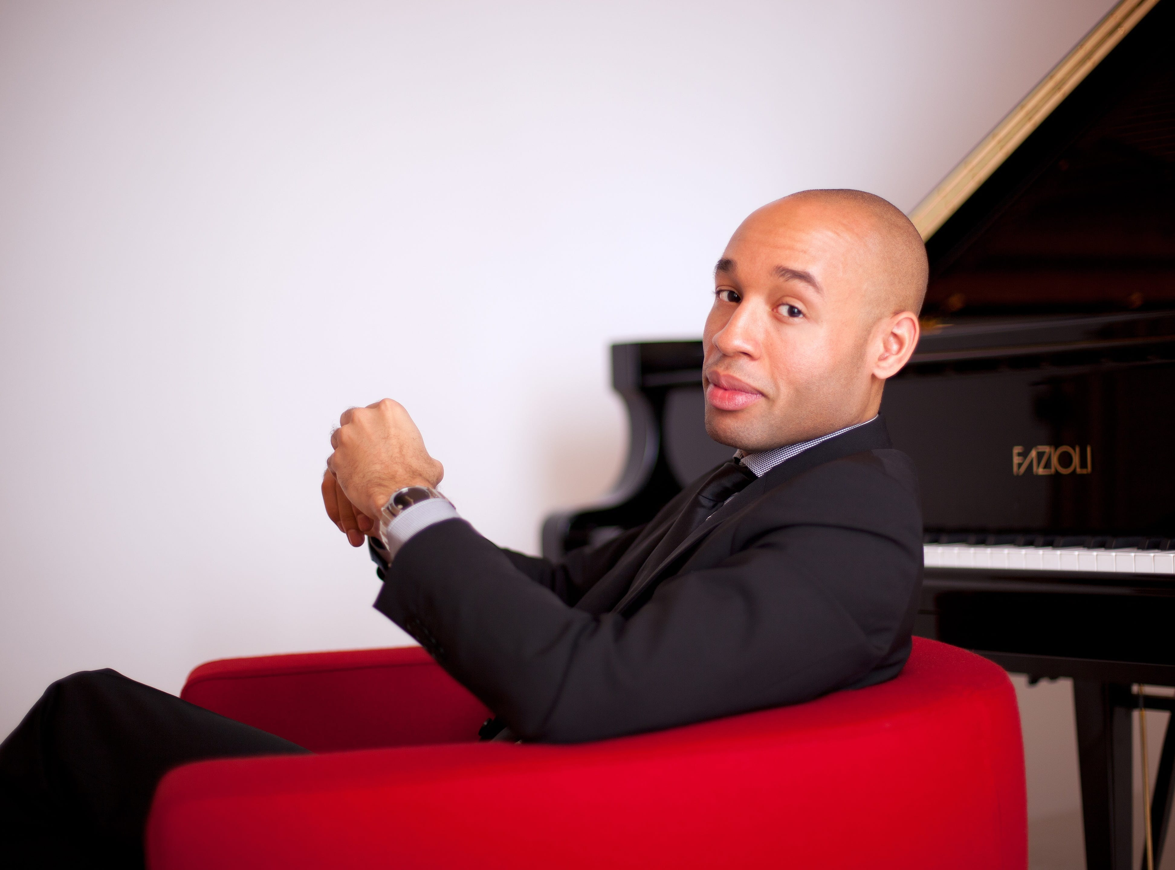 """Pianist Aaron Diehl makes his CSO debut playing Duke Ellington's """"New World A-Comin'."""" The work, which the CSO recorded with Ellington in 1970, will be performed as part of the orchestra's 125th Anniversary Celebration concert on Jan. 18-19, 2020."""