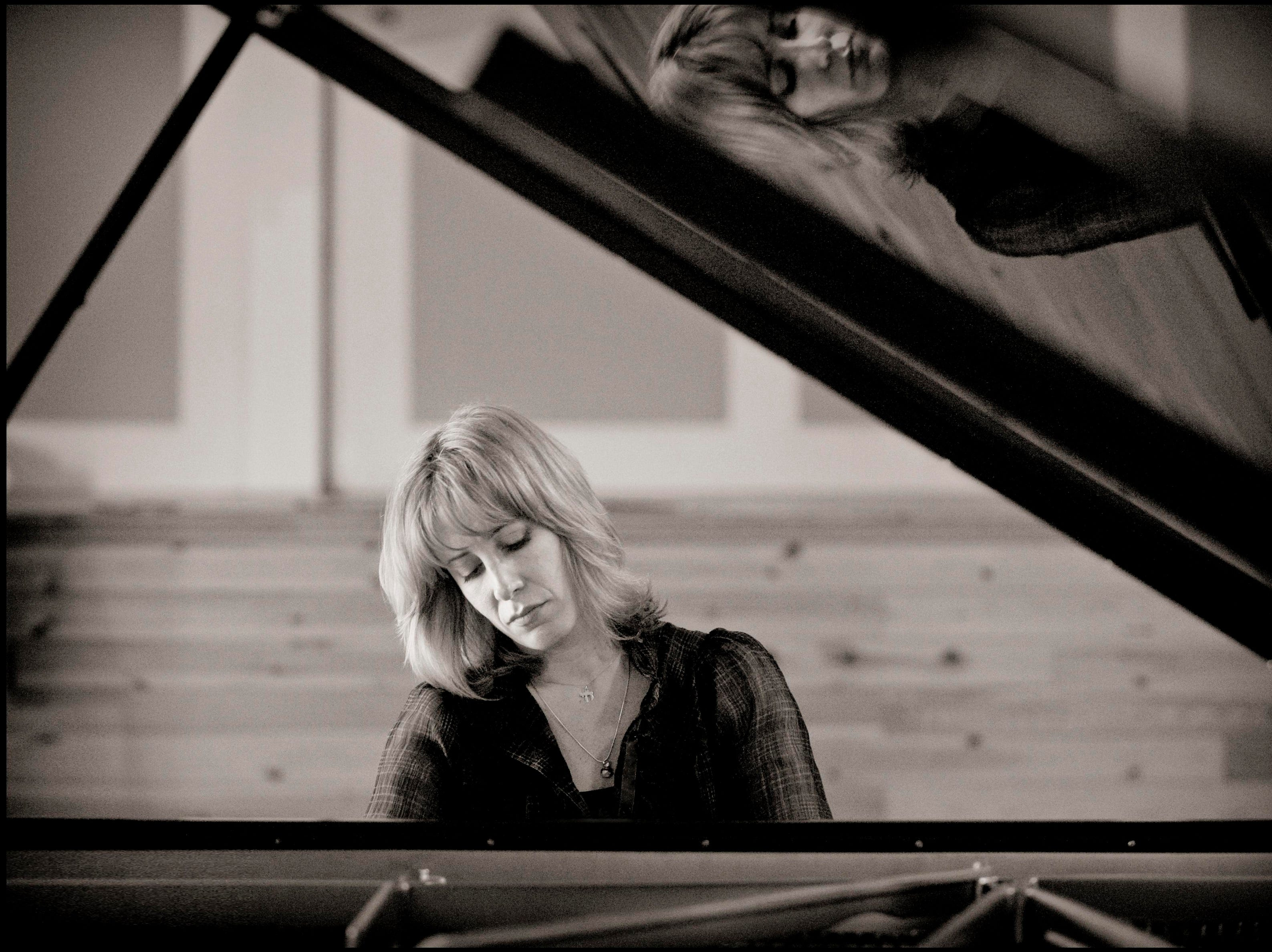 """Argentinian pianist Ingrid Fliter joins the CSO Oct. 25-26, playing Spanish composer Manuel de Falla's """"Nights in the Gardens of Spain."""""""
