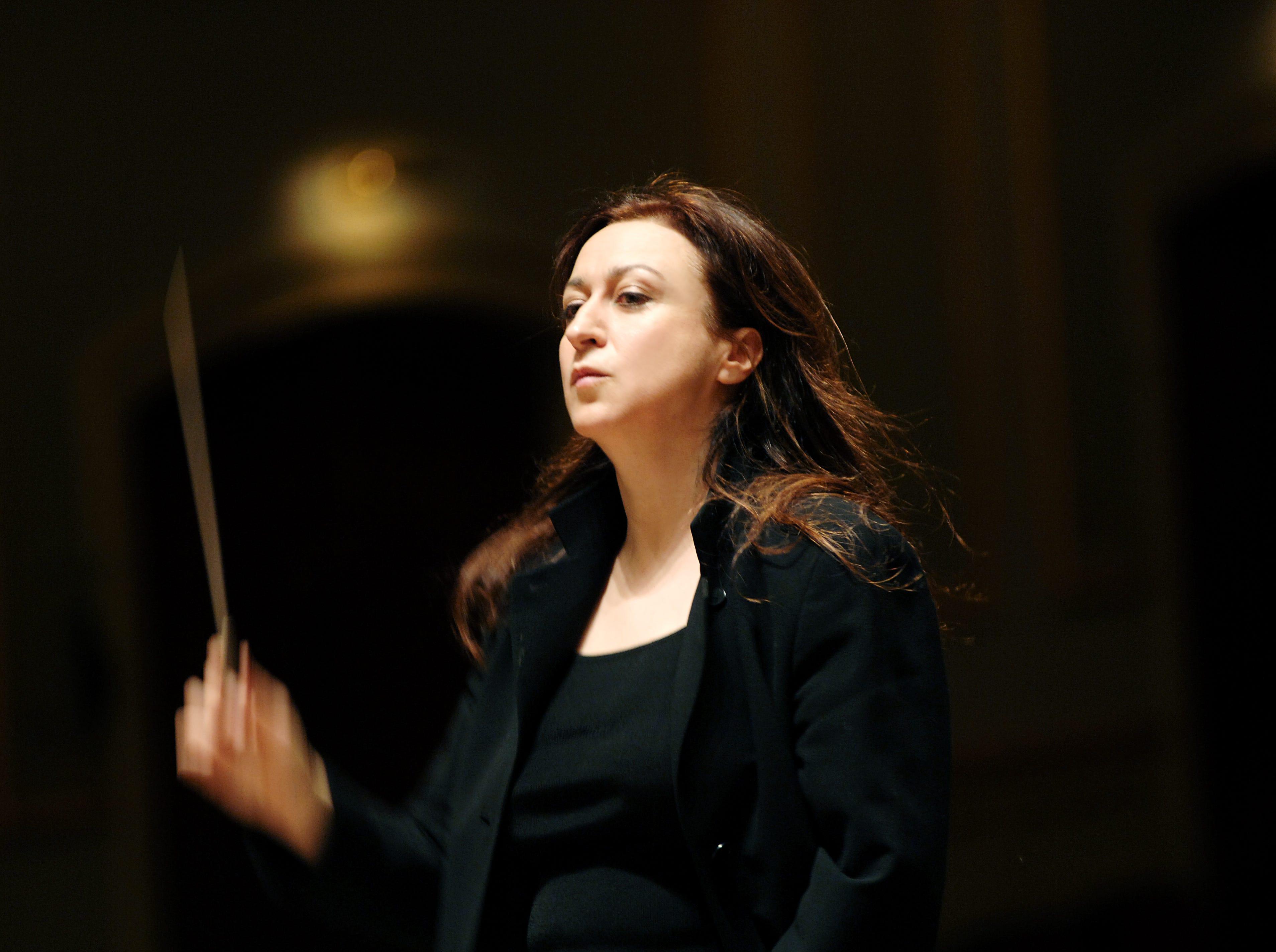 "Australian conductor Simone Young returns to the CSO Jan. 24-25, 2020, to lead the Cincinnati premiere of Unsuk Chin's ""Cello Concerto,"" featuring cellist Alban Gerhardt."