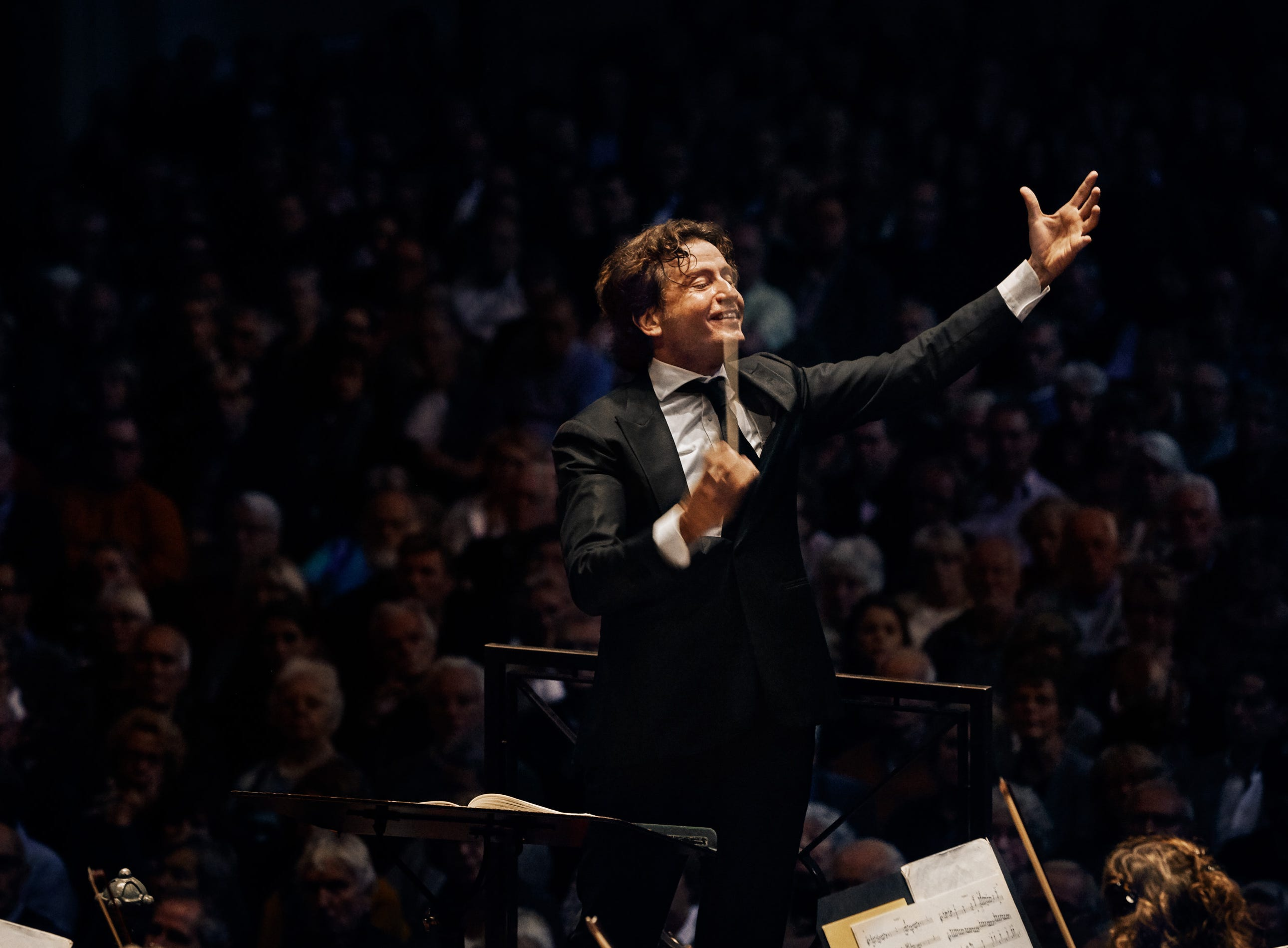 """Spanish conductor Gustavo Gimeno makes his CSO debut Oct. 25-26 in a program that includes de Falla's """"Nights in the Gardens of Spain,"""" featuring pianist Ingrid Fliter."""