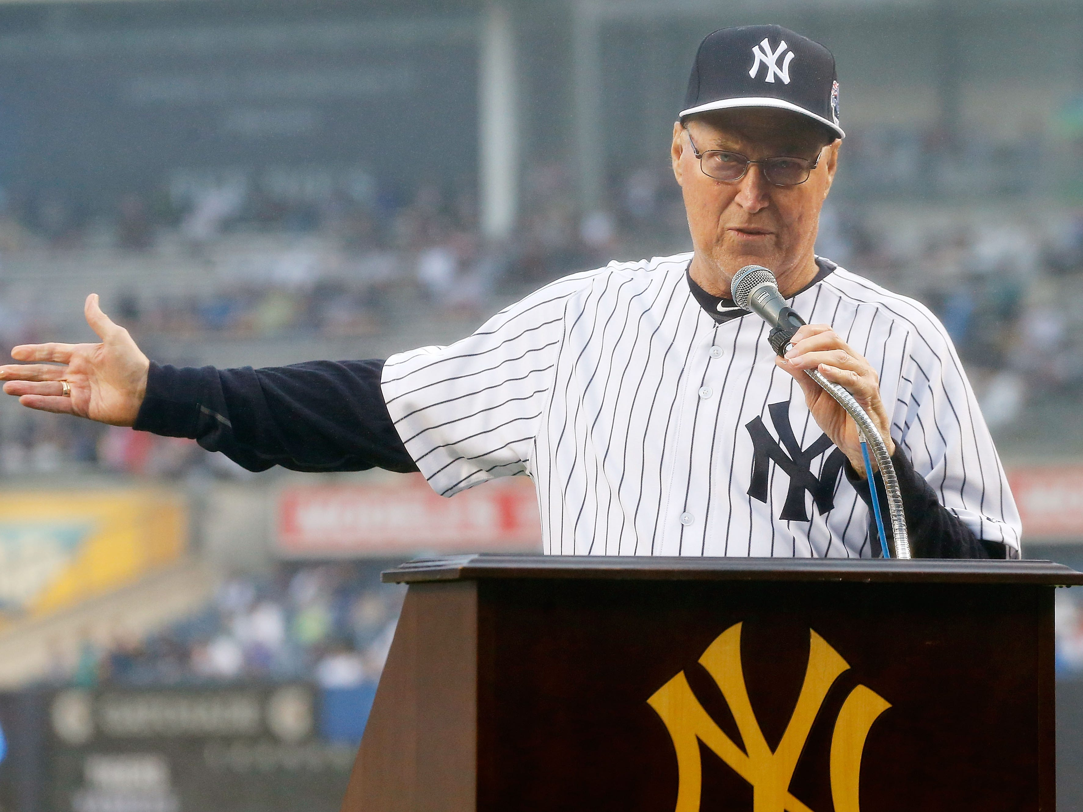 Mel Stottlemyre, major-league pitcher and pitching coach, of multiple myeloma. Jan. 13. He was 77.