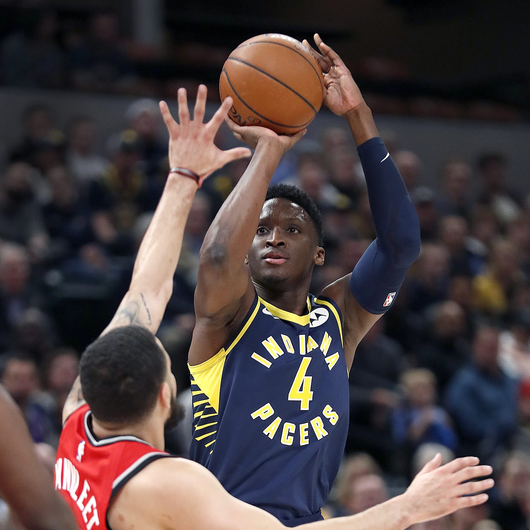 Victor Oladipo tells Pacers he'll be their biggest fan in playoffs