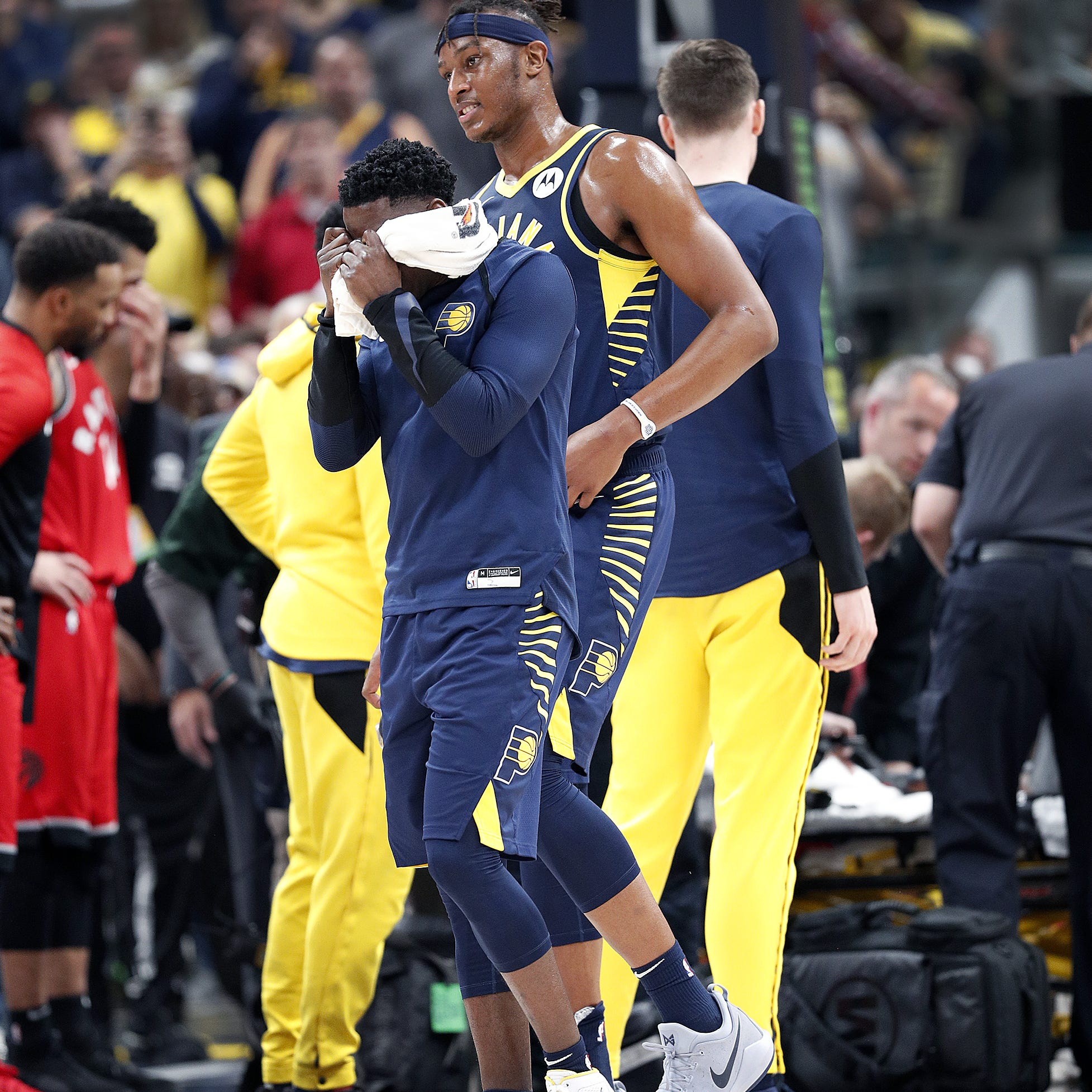 Victor Oladipo's 'serious' knee injury overshadows Pacers' win over Raptors