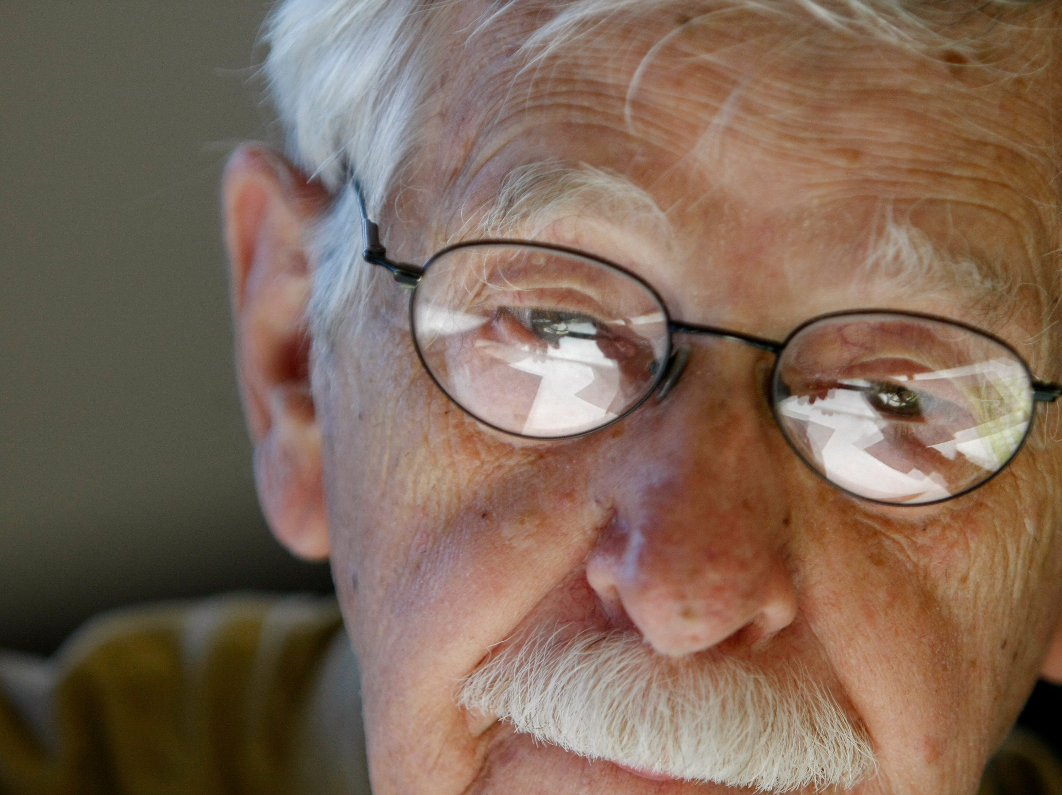 Charlie Daniel, editorial cartoonist for the News Sentinel, works on a drawing at his desk in July 2008. Daniel retired Feb. 1, 2019, after 60 years of cartooning in Knoxville, starting with his first job at The Knoxville Journal. (photo taken Tuesday, July 1, 2008)