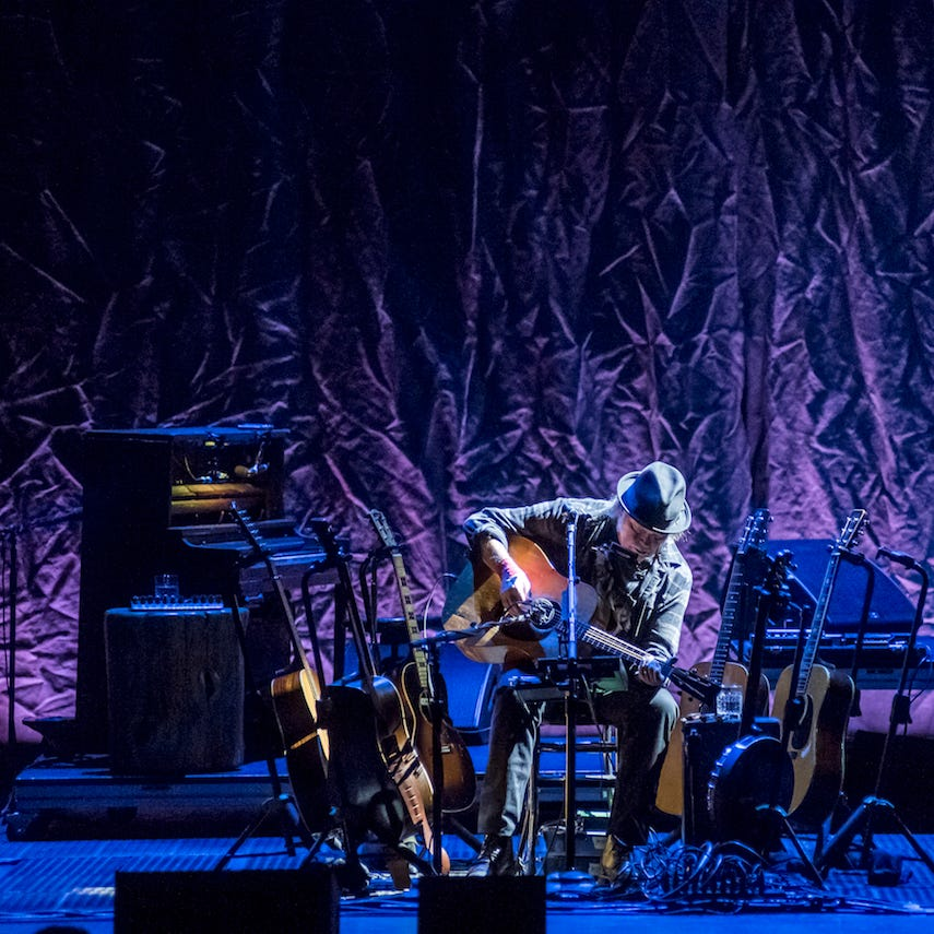 Neil Young played an intimate show in Milwaukee. A loud, annoying crowd nearly ruined it.