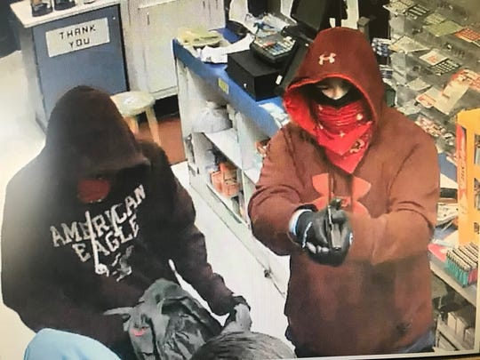 Muncie police are seeking the public's assistance in identifying two bandits who held up a northside convenience store early Tuesday.