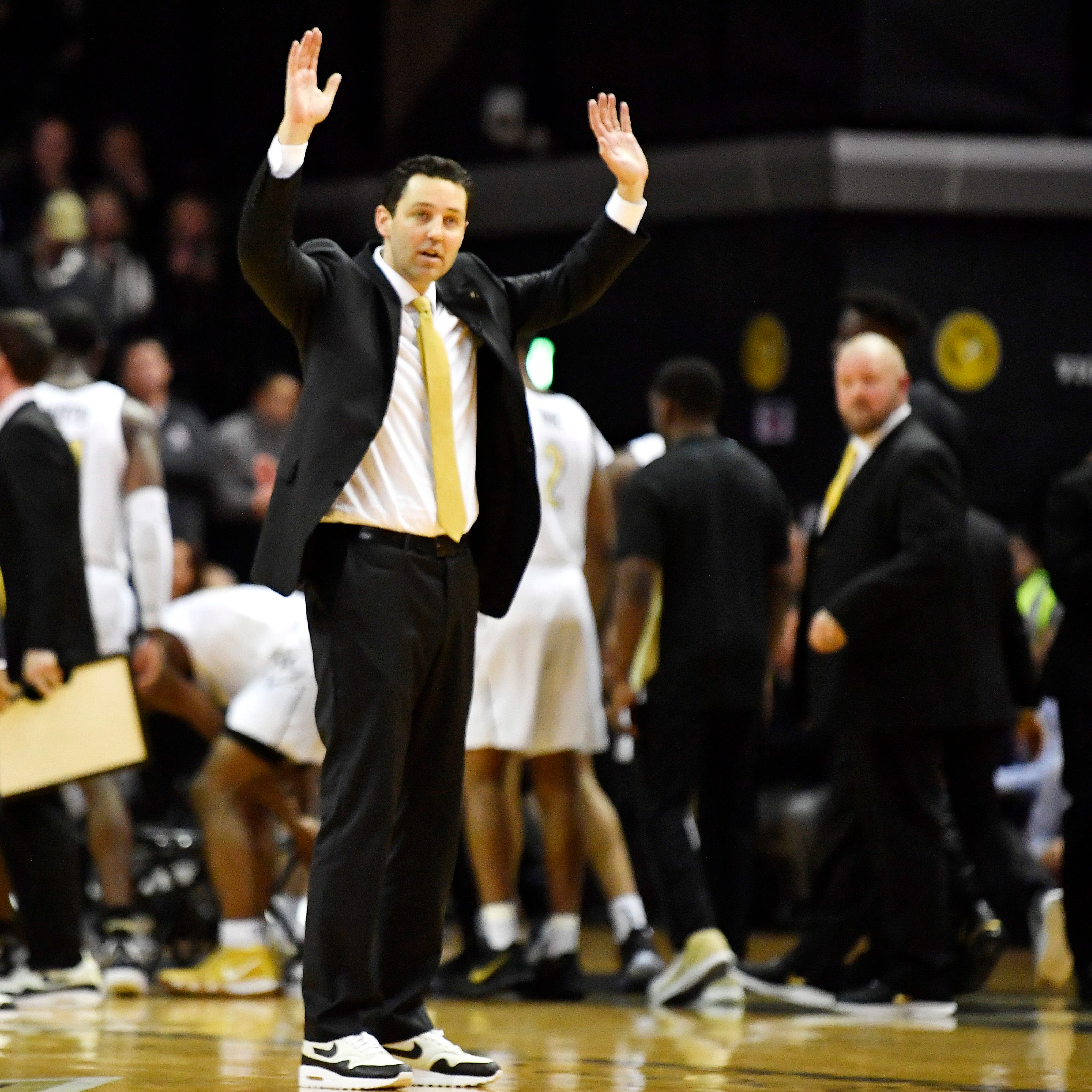 Vanderbilt's Bryce Drew takes longest losing streak of college career to UT Vols