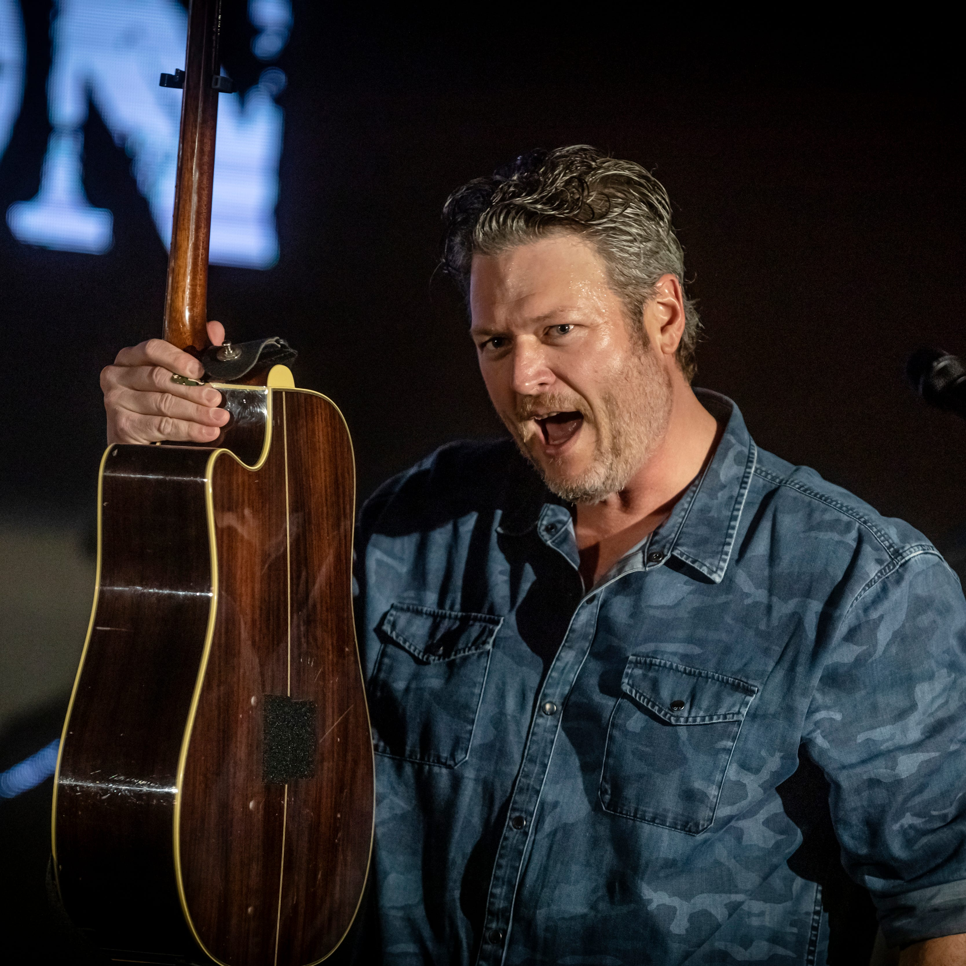 What you need to know before seeing Blake Shelton in Des Moines this week