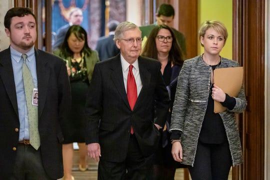 Senadores siguen sin llegar a un acuerdo.
