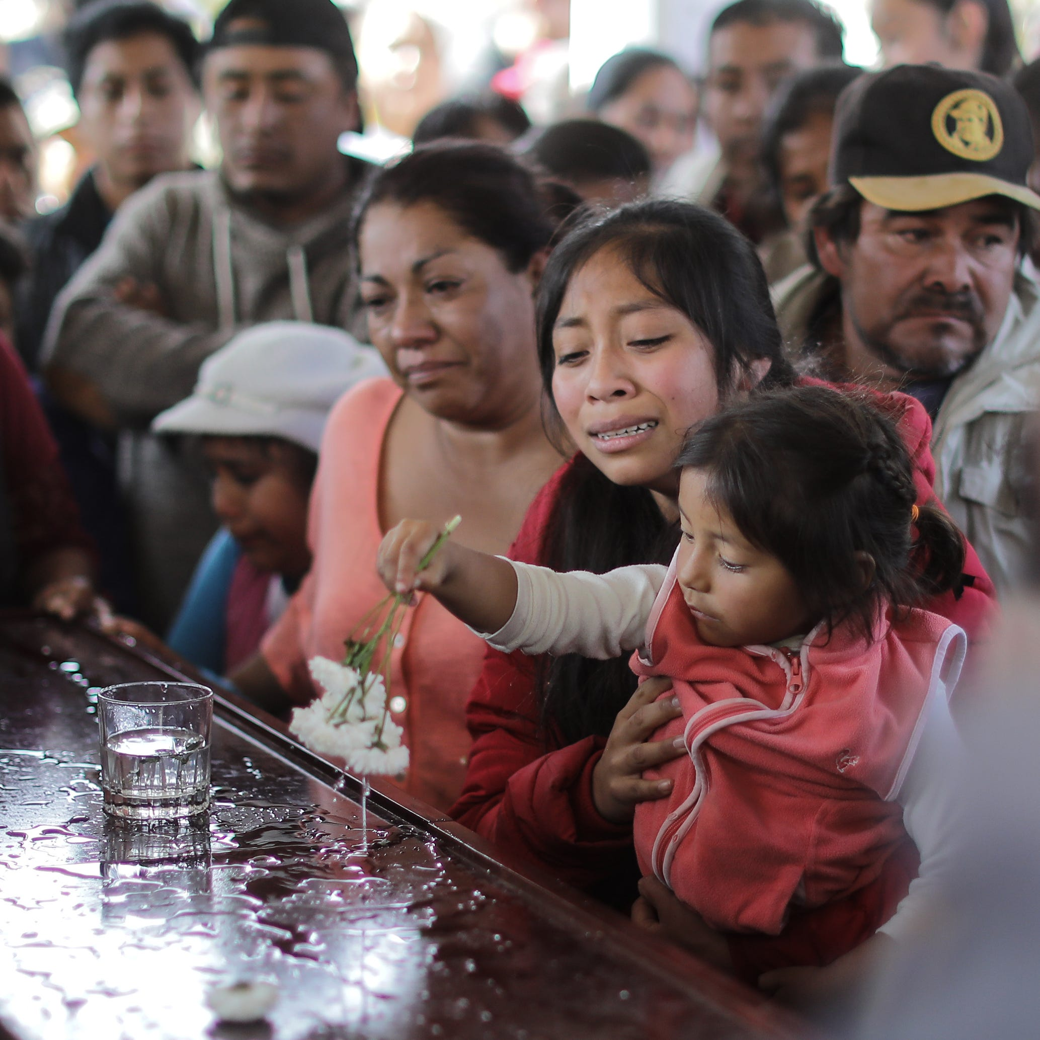 México: Aumentan a 95 los muertos por explosión de oleoducto