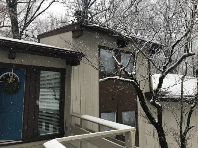 This home in Perinton just listed at $379,900