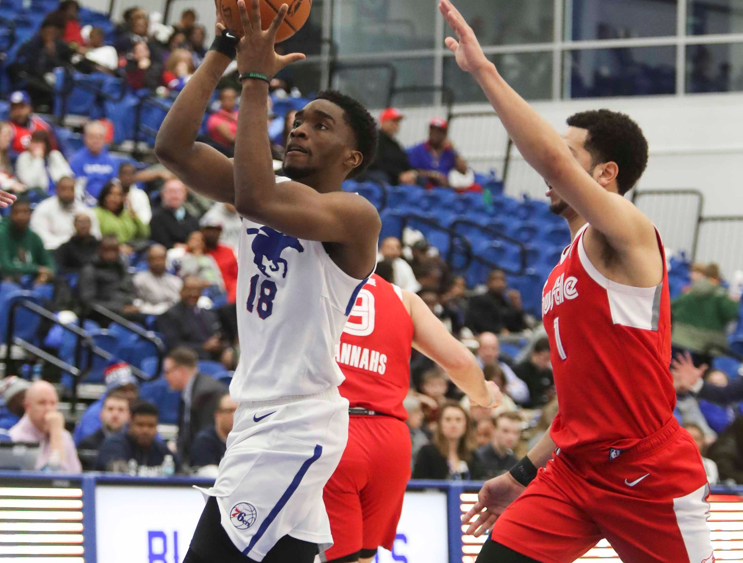 Shake Milton of the Blue Coats goes to the basket as the Delaware Blue Coats of the NBA G-League open the 76ers Field House against Memphis in Wilmington Wednesday.