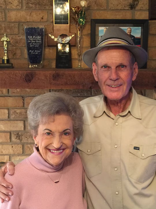 Mr. and Mrs. Darrell R. Johnson recently celebrated their 50th wedding anniversary.
