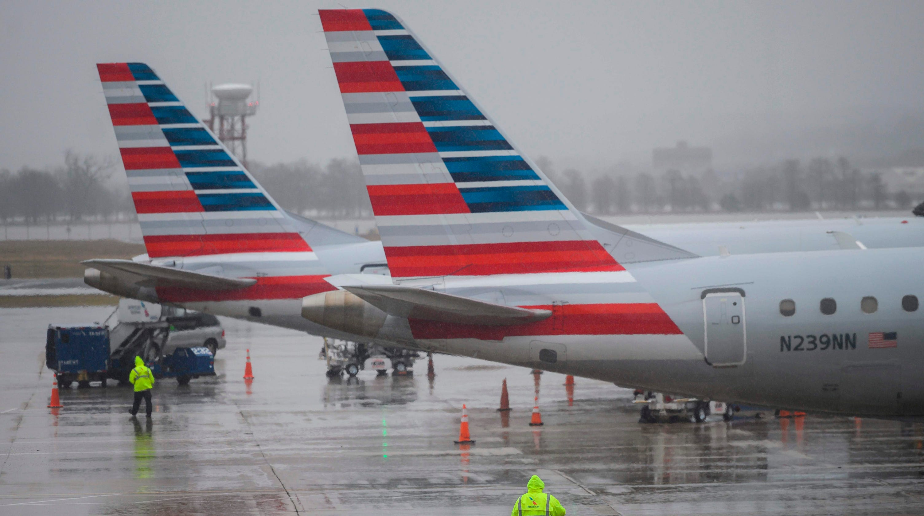 American Airlines Delta Fined For Lengthy Tarmac Delays