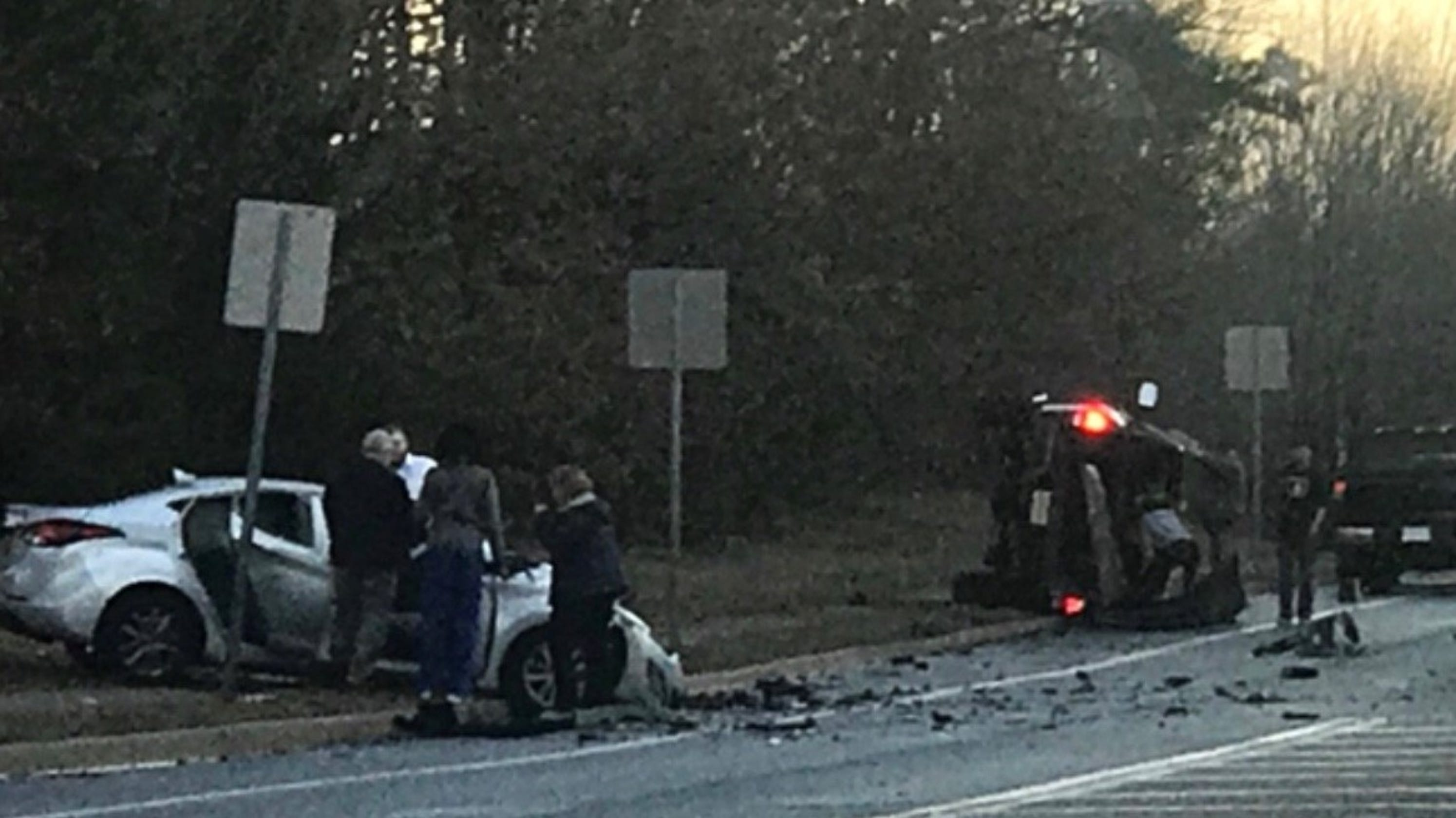 2 injured in 3-vehicle crash on Whitesville Road in Toms River