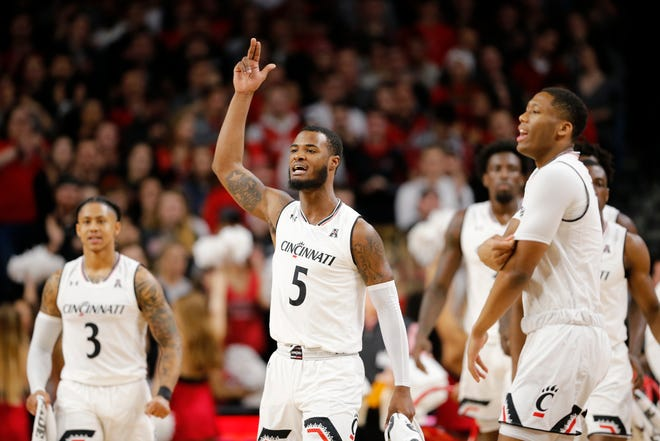 The Cincinnati Bearcats go for sixth straight AAC win when they square off with Temple at noon Sunday