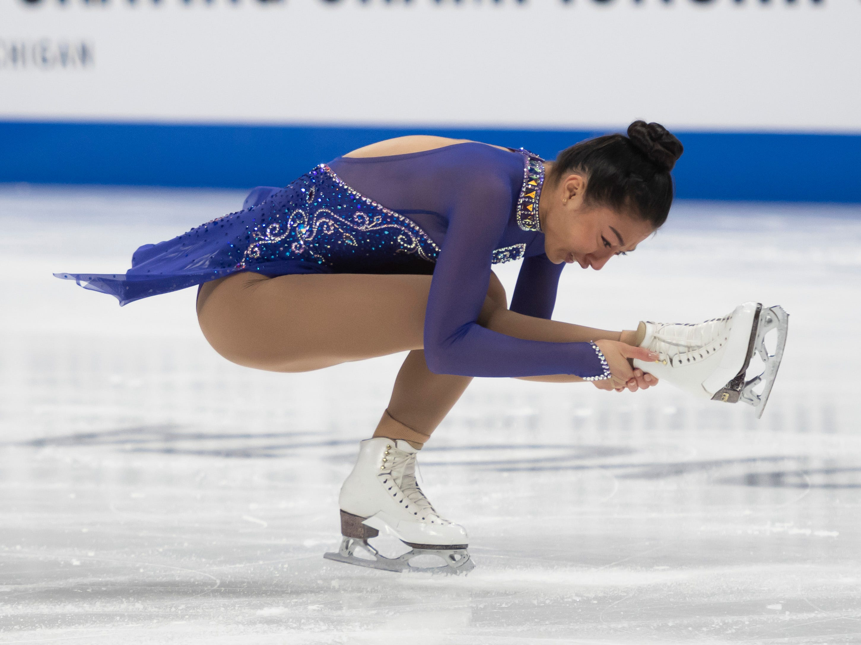 Sierra Venetta competes in the ladies short program.