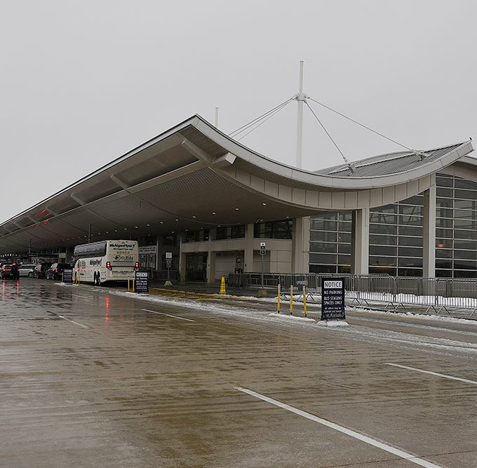 Airline technical glitch fixed, delays at Detroit Metro still possible