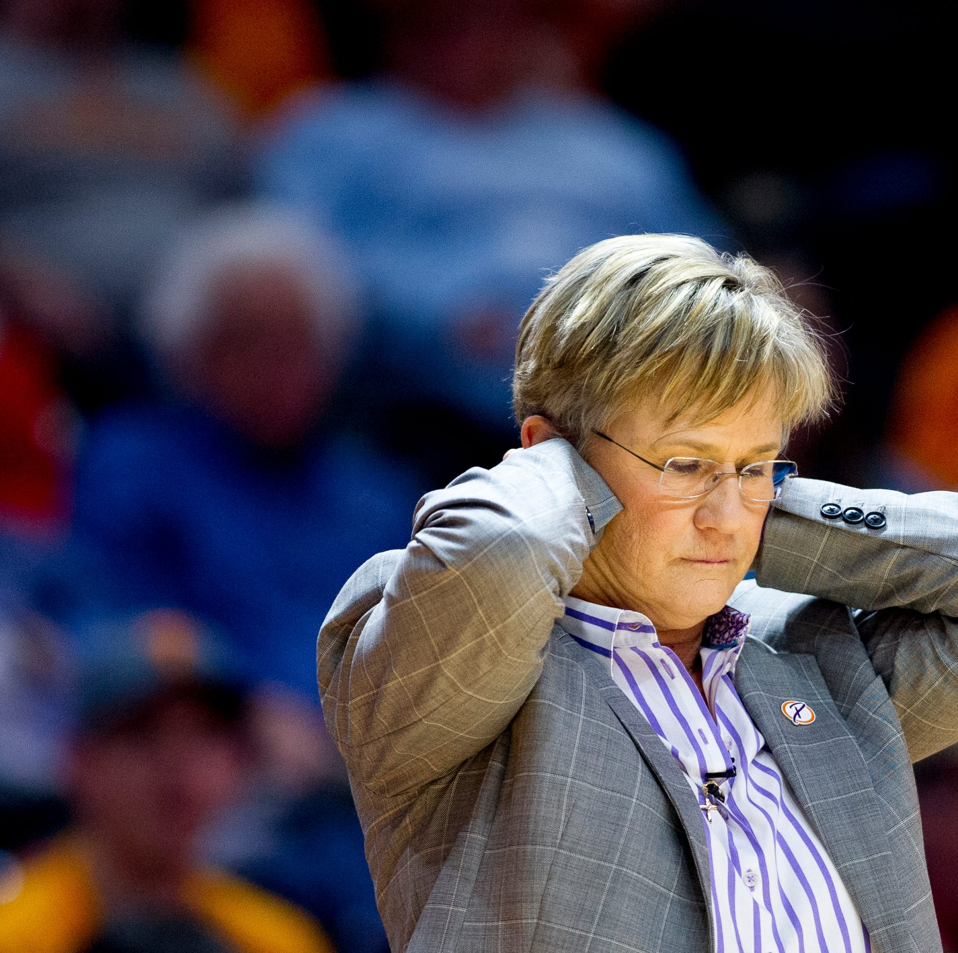 Volunteer State: What will Phillip Fulmer do with Lady Vols coach Holly Warlick?