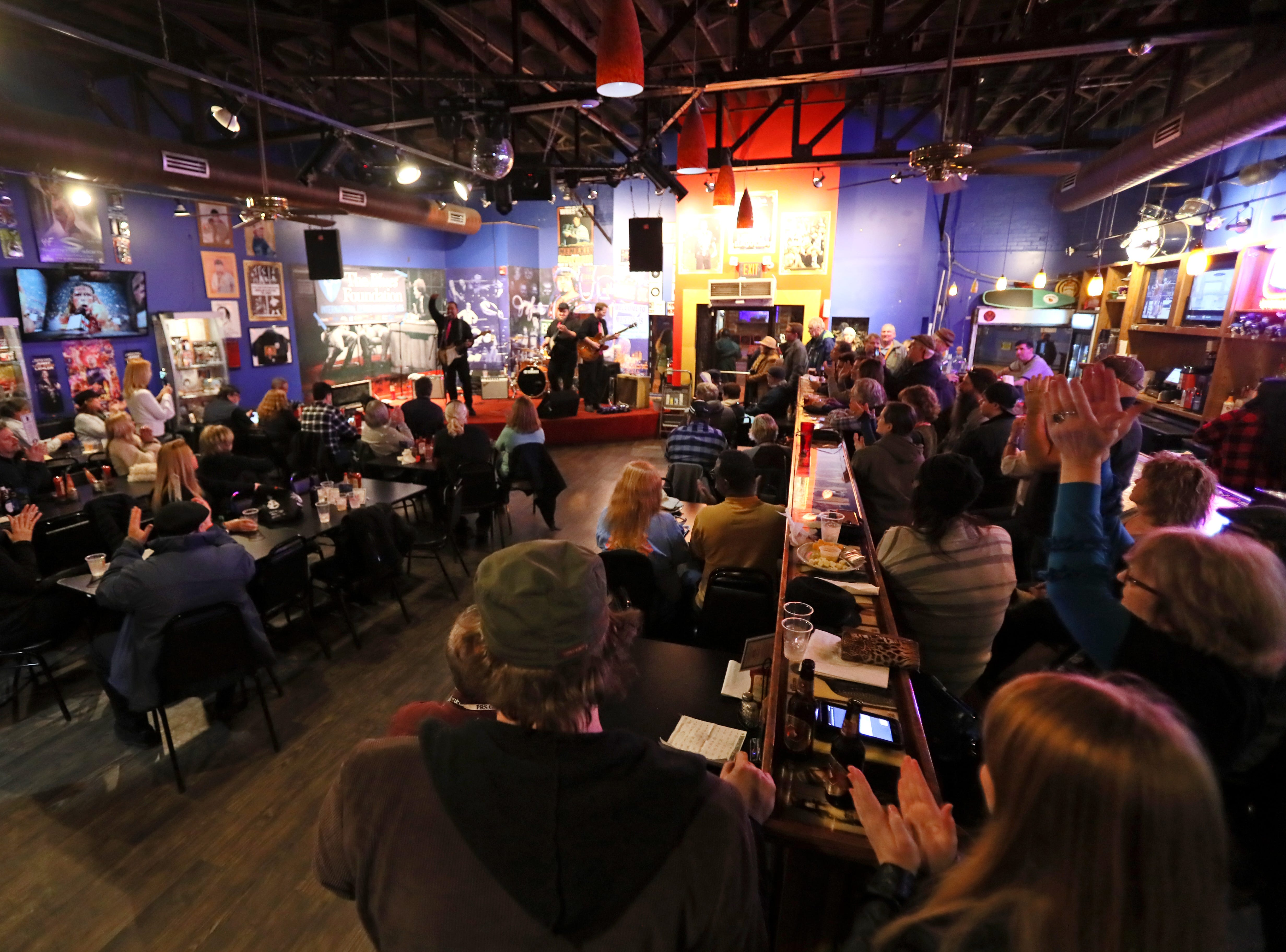 Jeff Fetterman Band plays at King Jerry