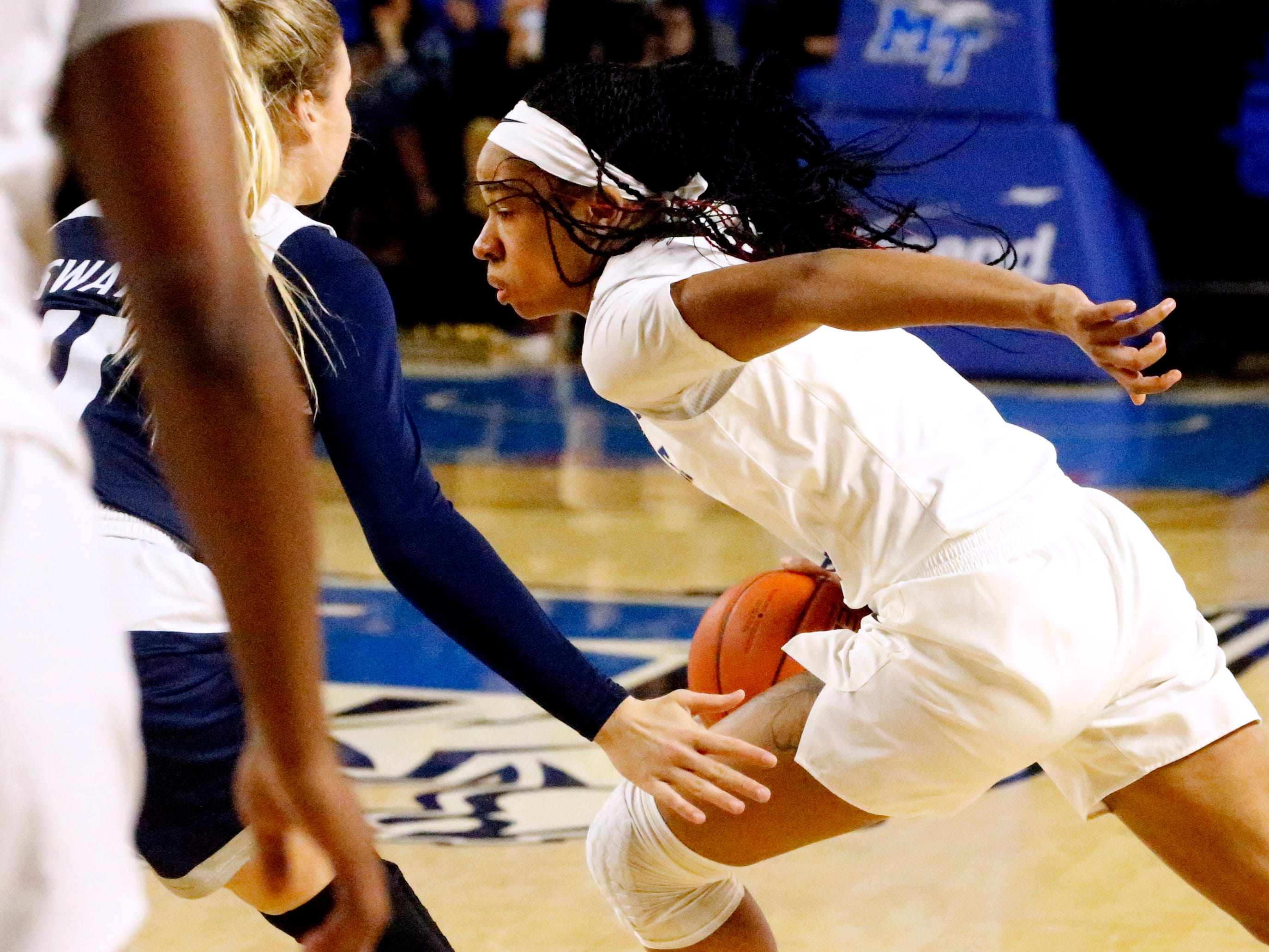 MTSU's guard Kyla Allison (3) moves the ball around the court during the game against Rice on Thursday Jan. 24, 2019.
