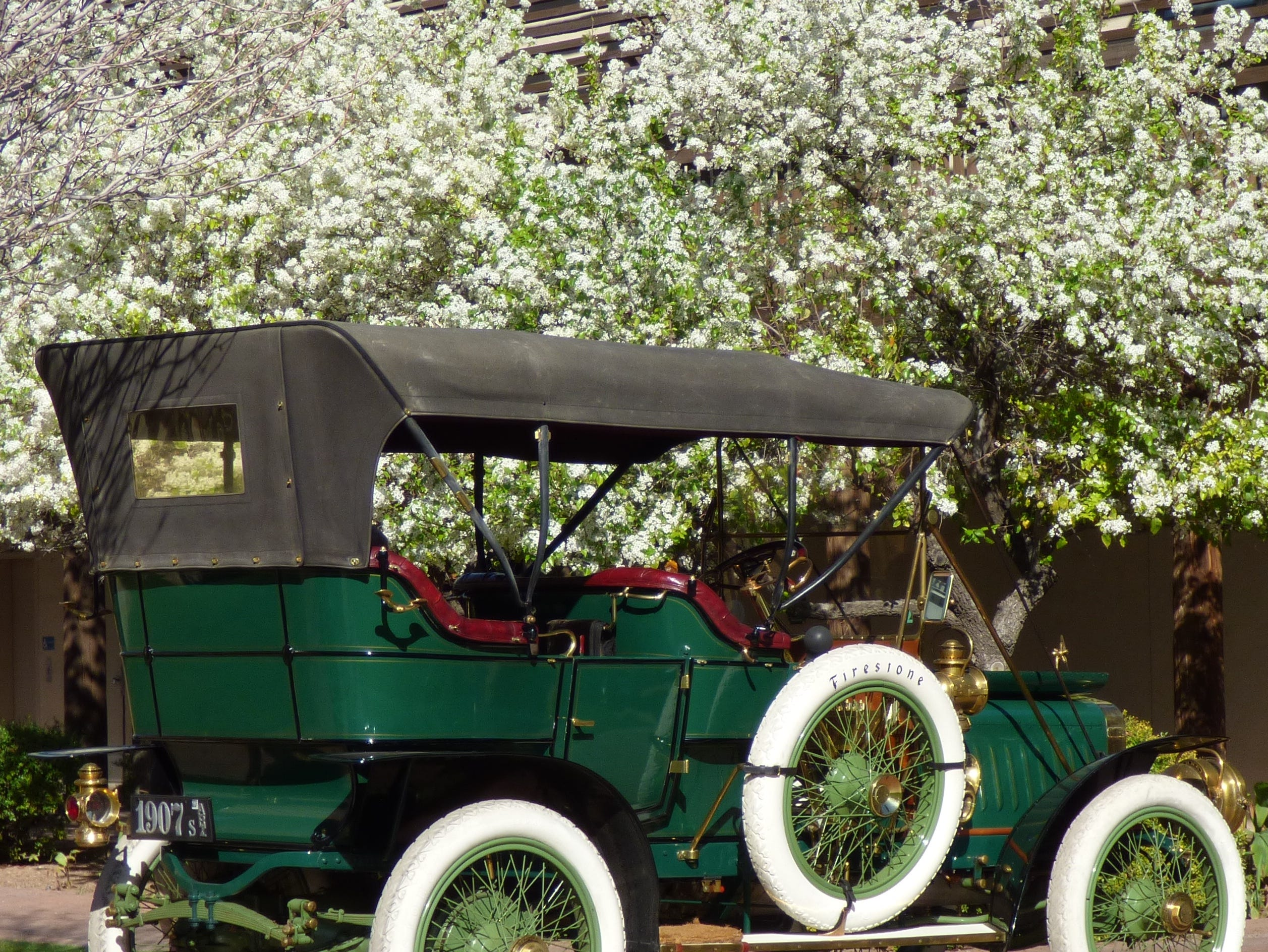 During the Motoring Through Time and Heritage festival, car owners will display vehicles from different eras.