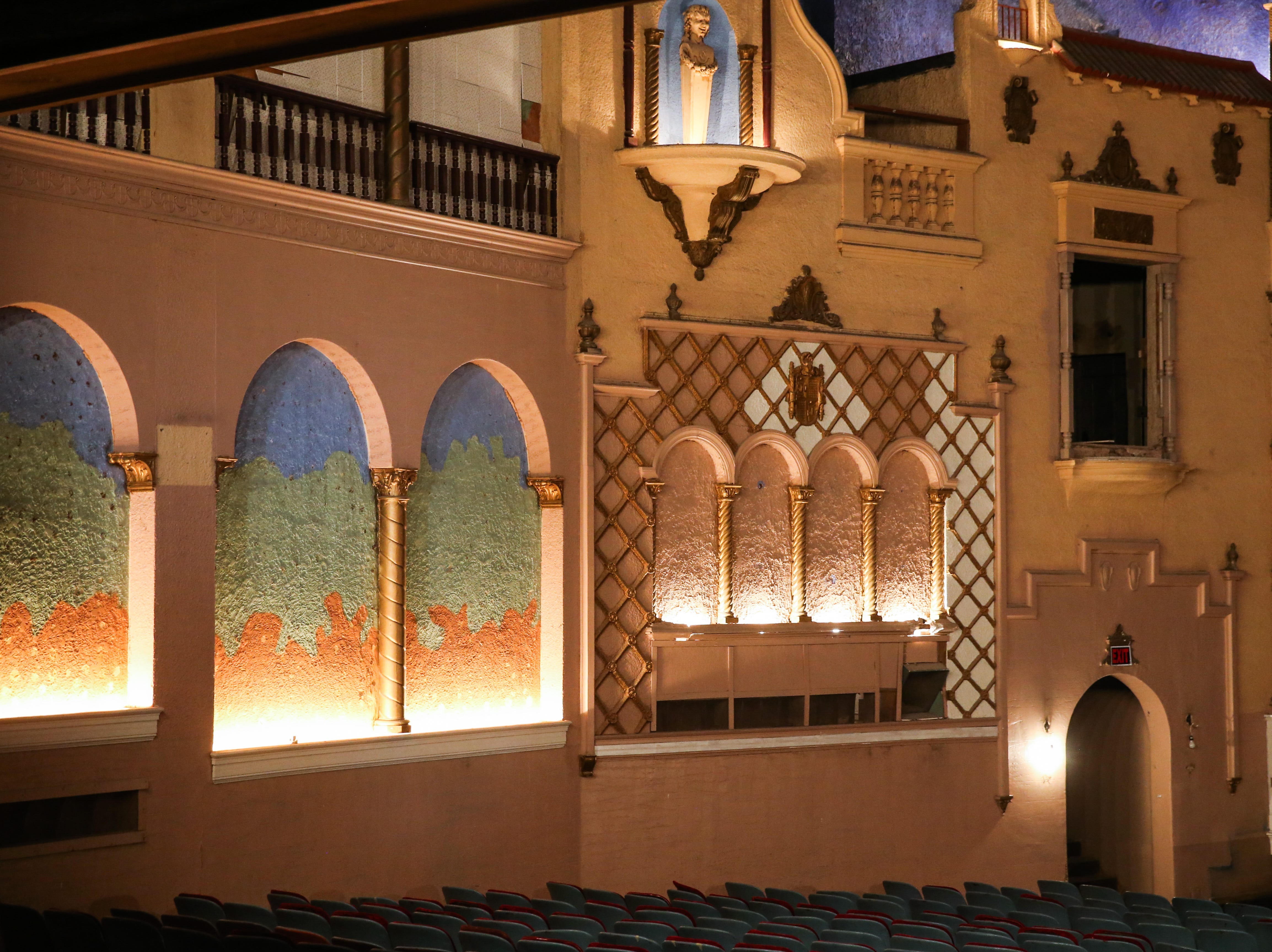 The auditorium was made to look like Spanish outdoors at former Texas Theatre. The building was built in 1929.