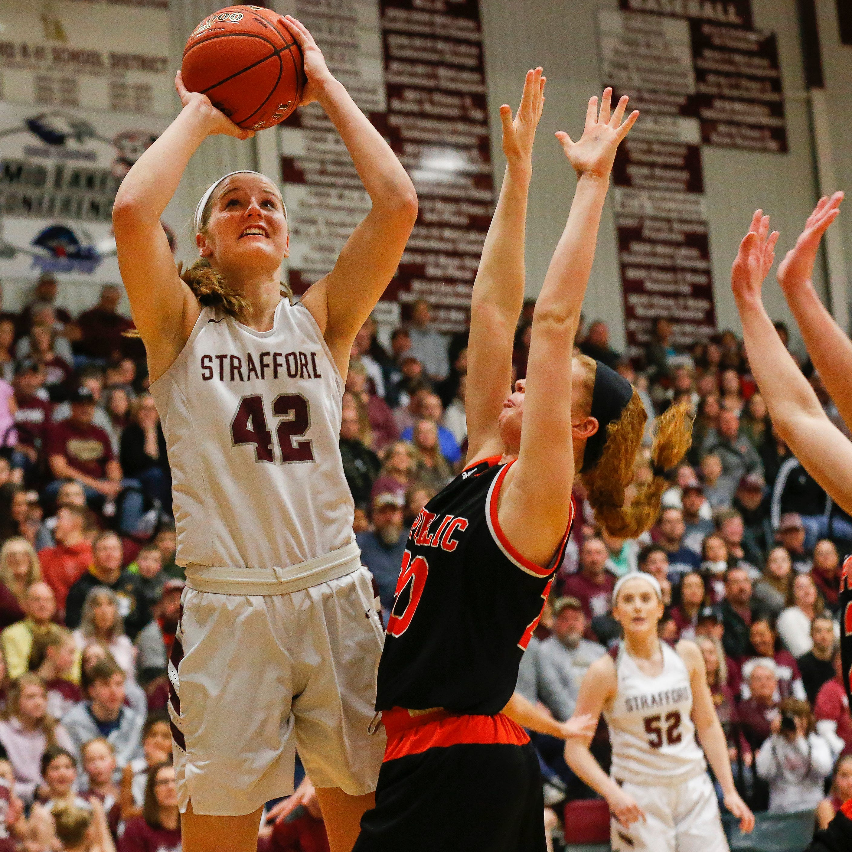 High school hoops roundup: Hayley Frank impresses (what's new?) in Lady Indians win