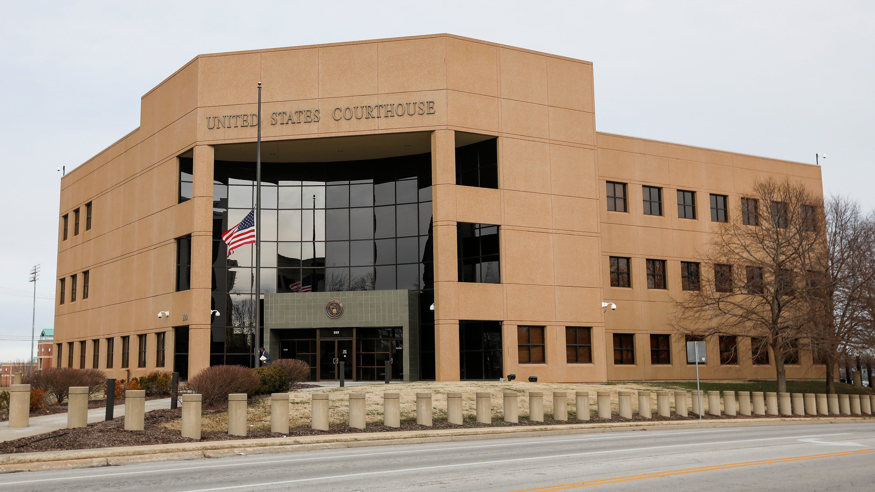 Ex-Christian County reserve deputy gets prison time in tax case