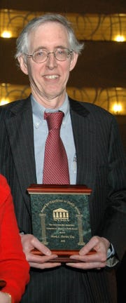 Mark L. Davies, Tarrytown, an attorney, has received the 2008 Attorneys in Public Service Award from the New York State Bar Association.