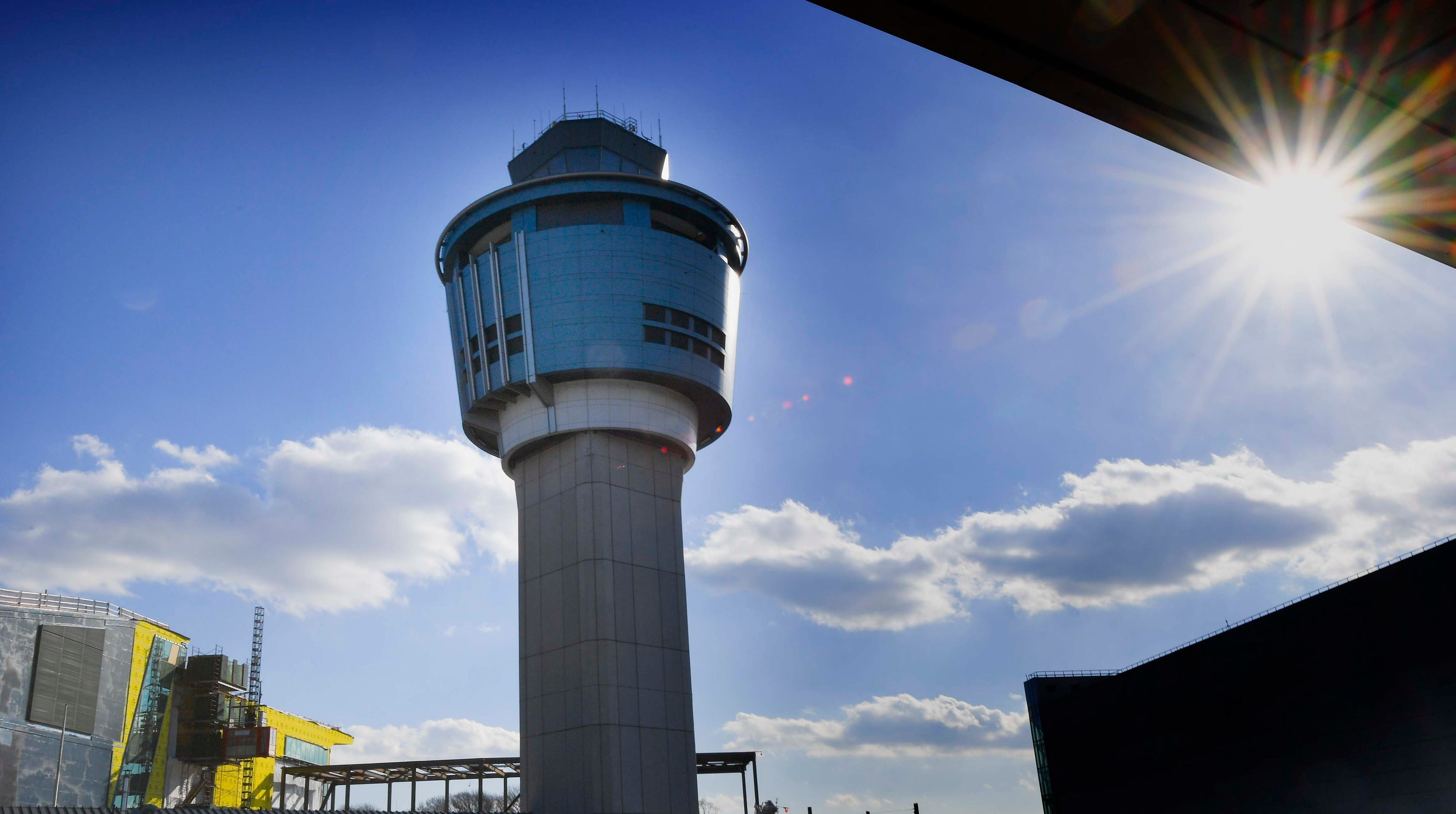 Government shutdown: Flight delays in at 4 airports due to